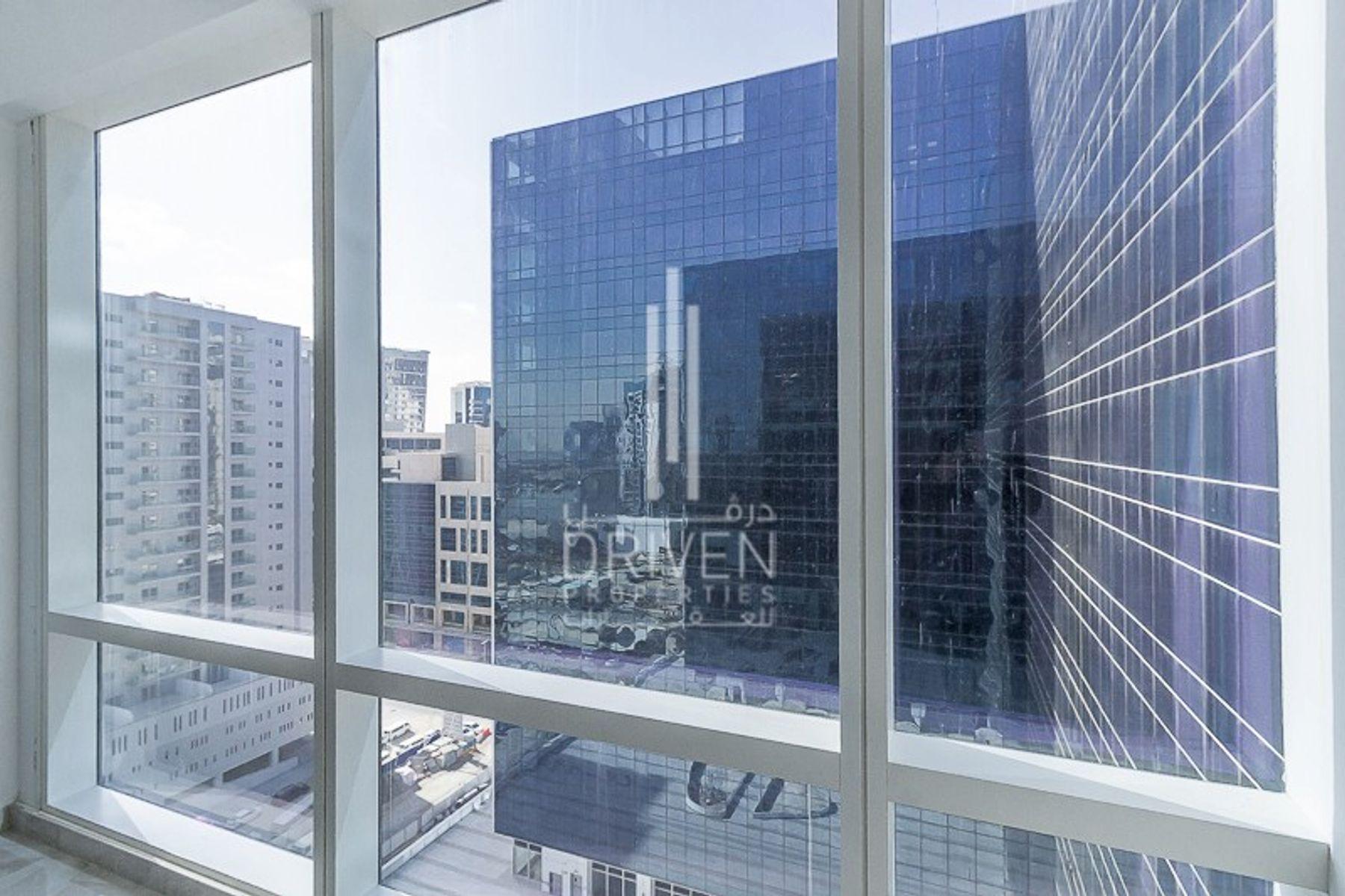 للايجار - مكتب - برج تماني - الخليج التجاري
