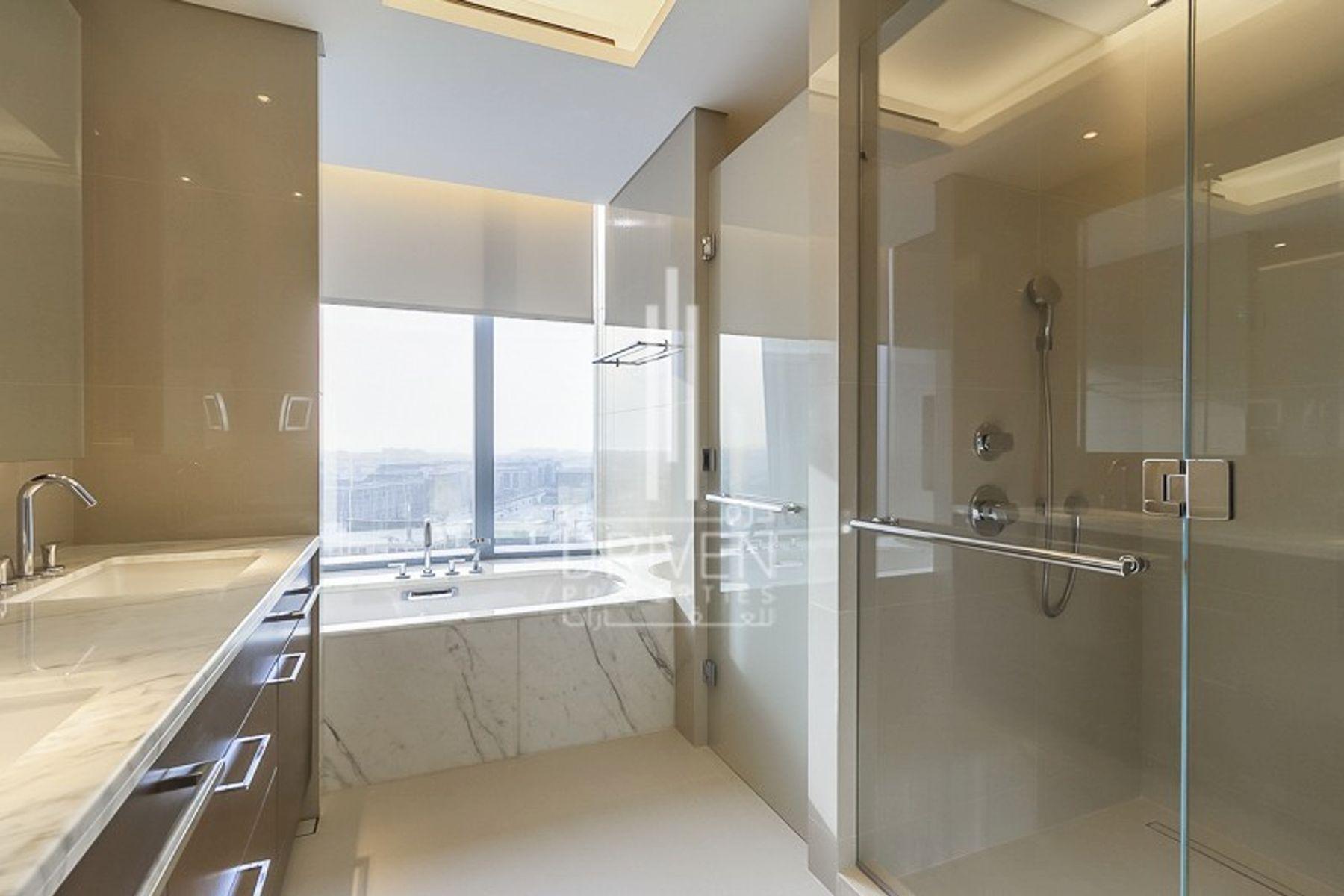 للبيع - شقة - فندق العنوان- سكاي فيو 2 - دبي وسط المدينة
