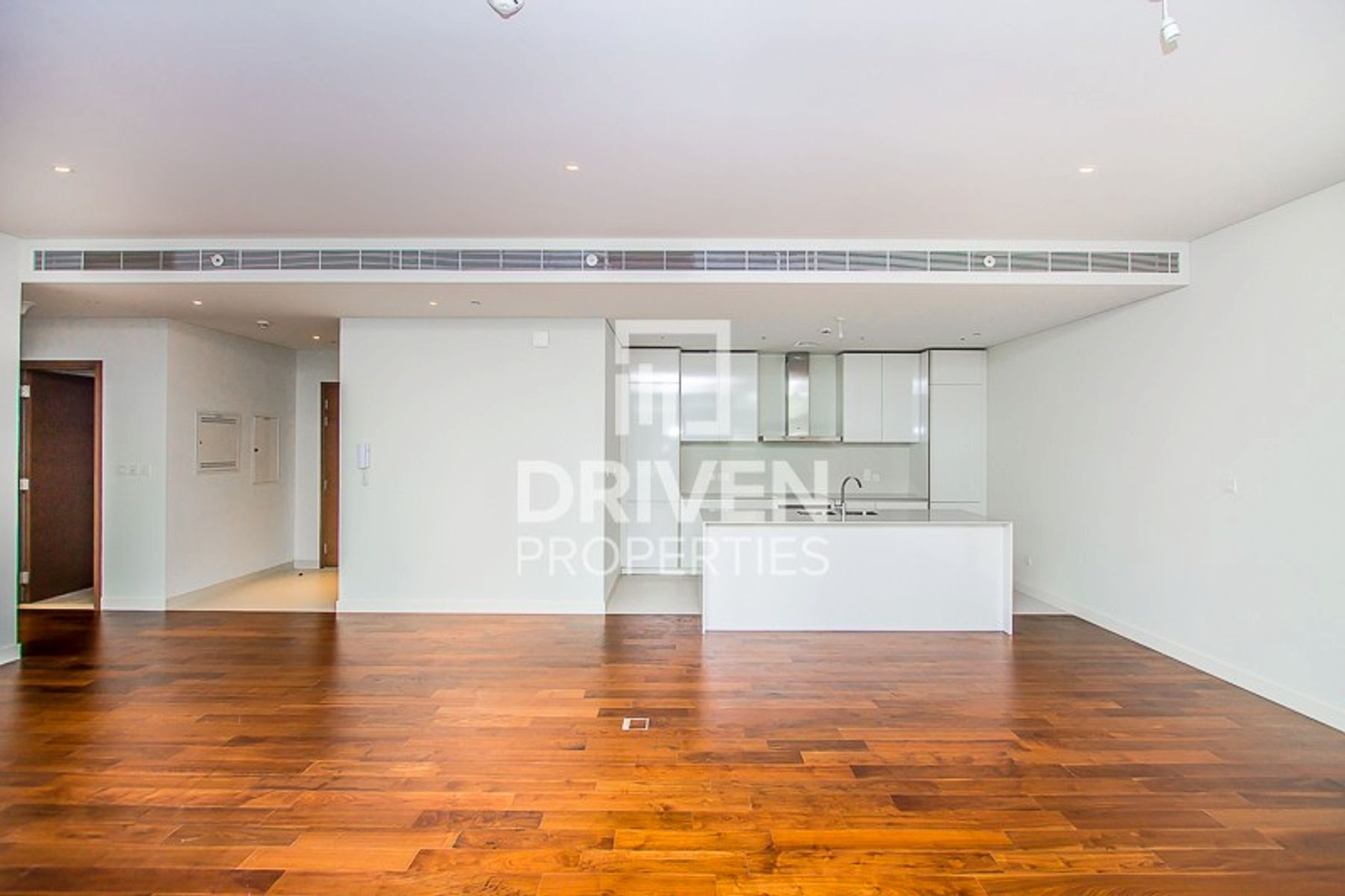 Bright 1 Bedroom Apartment   Huge Layout