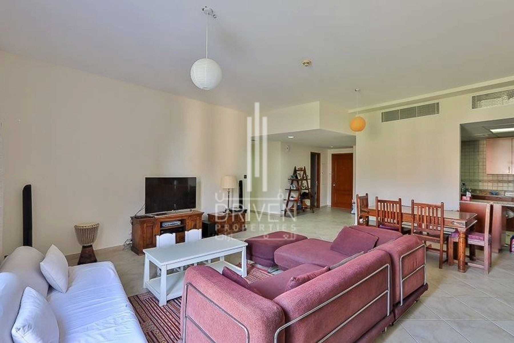 Bright and Spacious | Vacant on Transfer