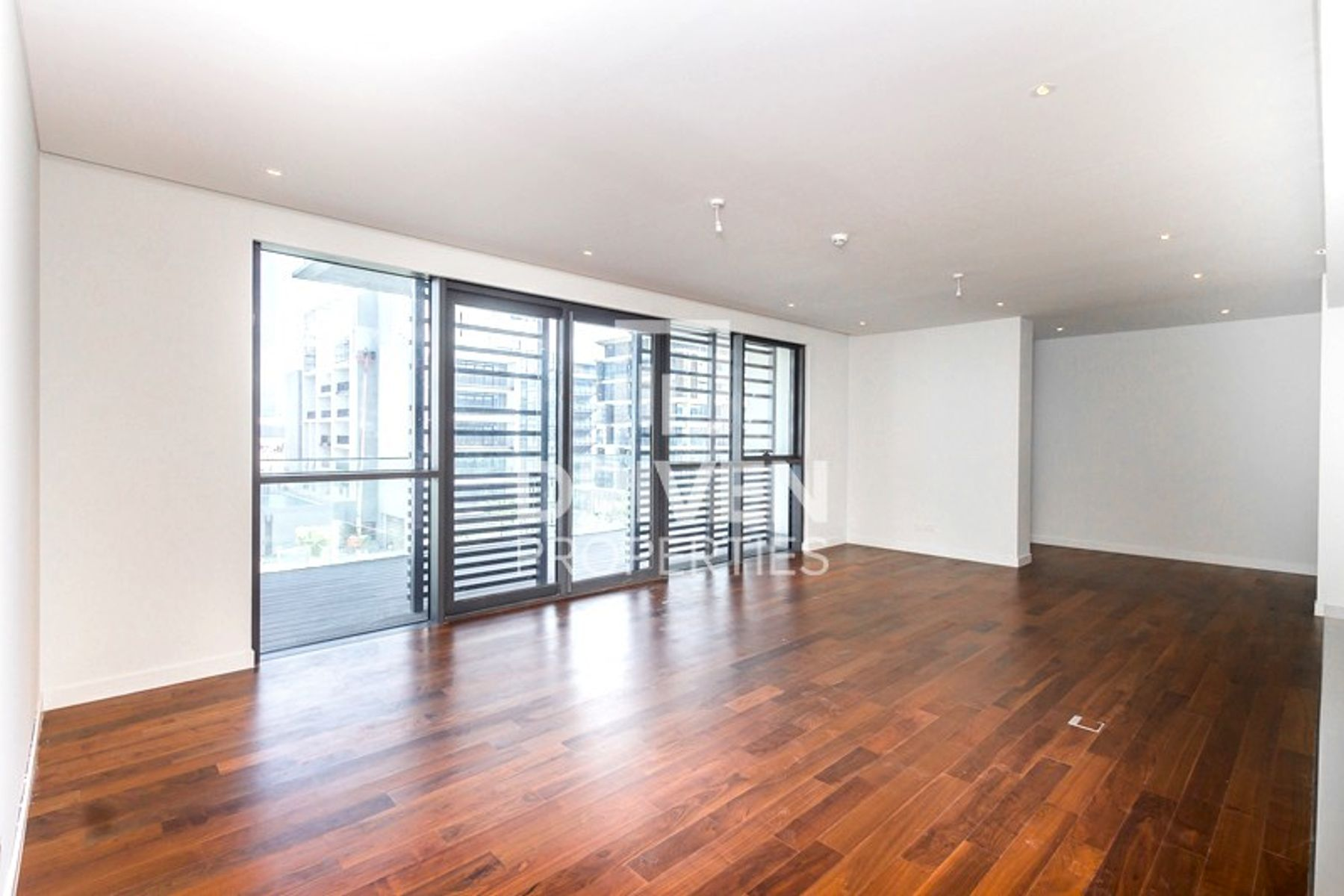 Amazing Spacious Layout Unit, Open views