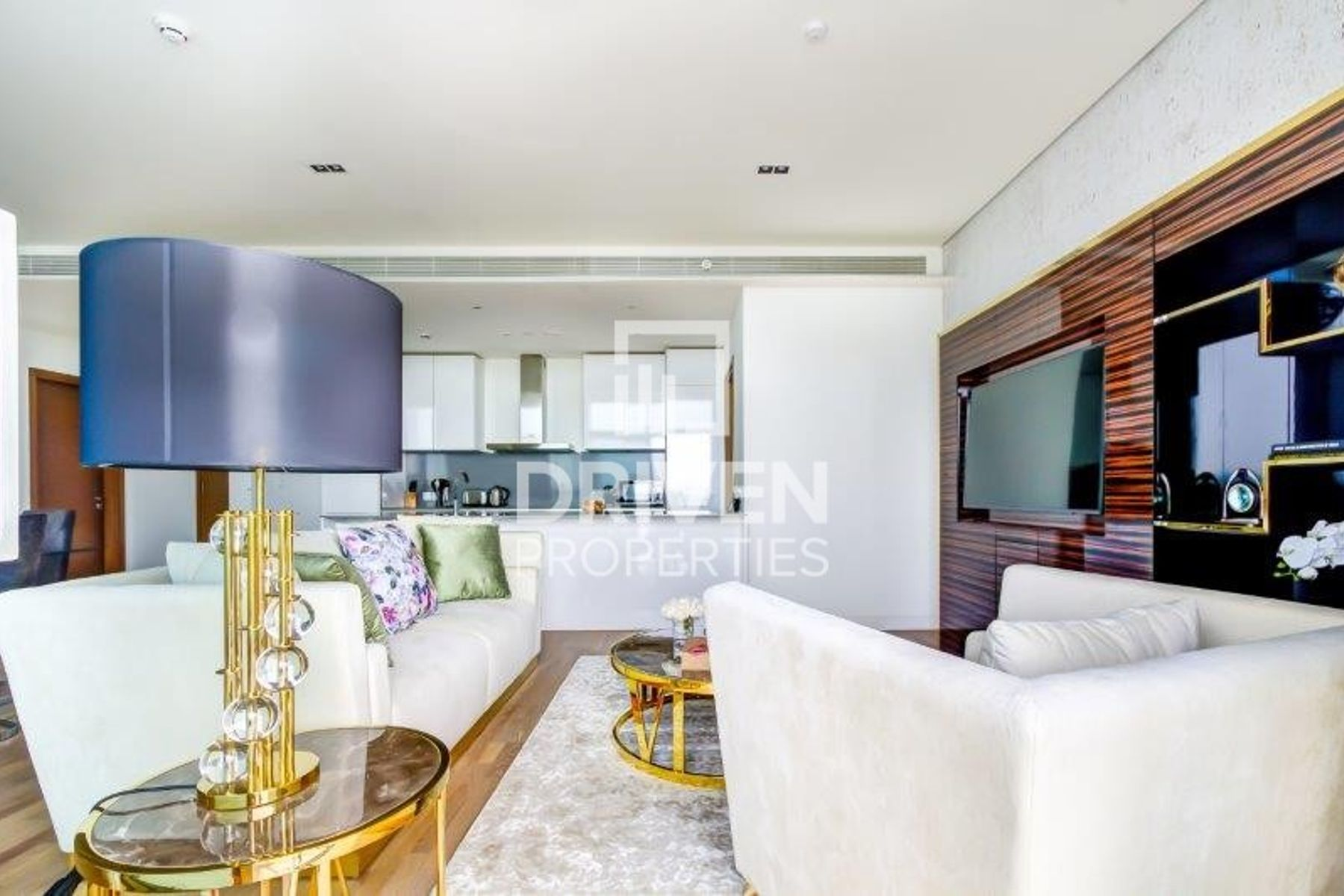 Fully Furnished   Amazing Boulevard View