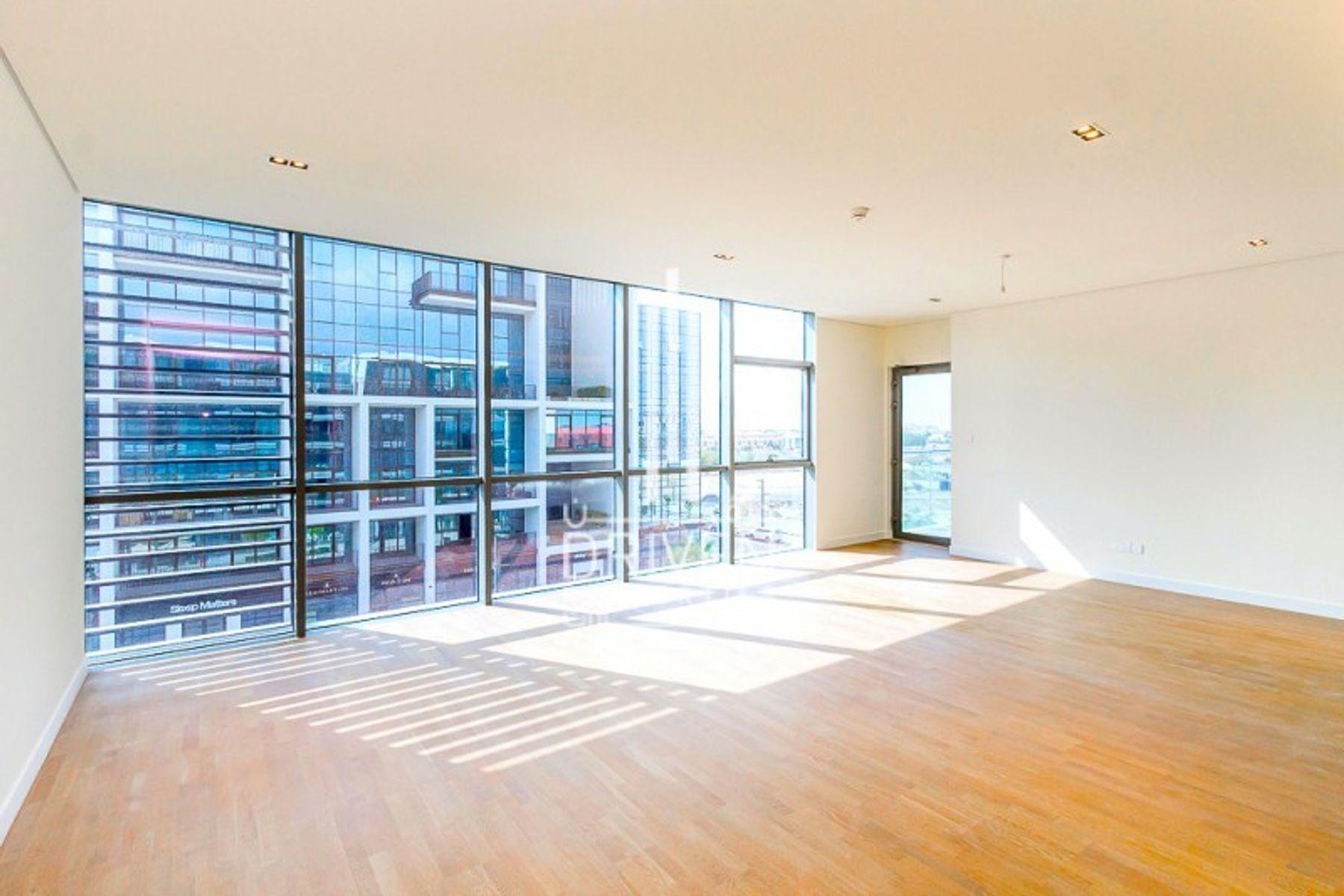 Amazing Layout, High floor Level, Vacant