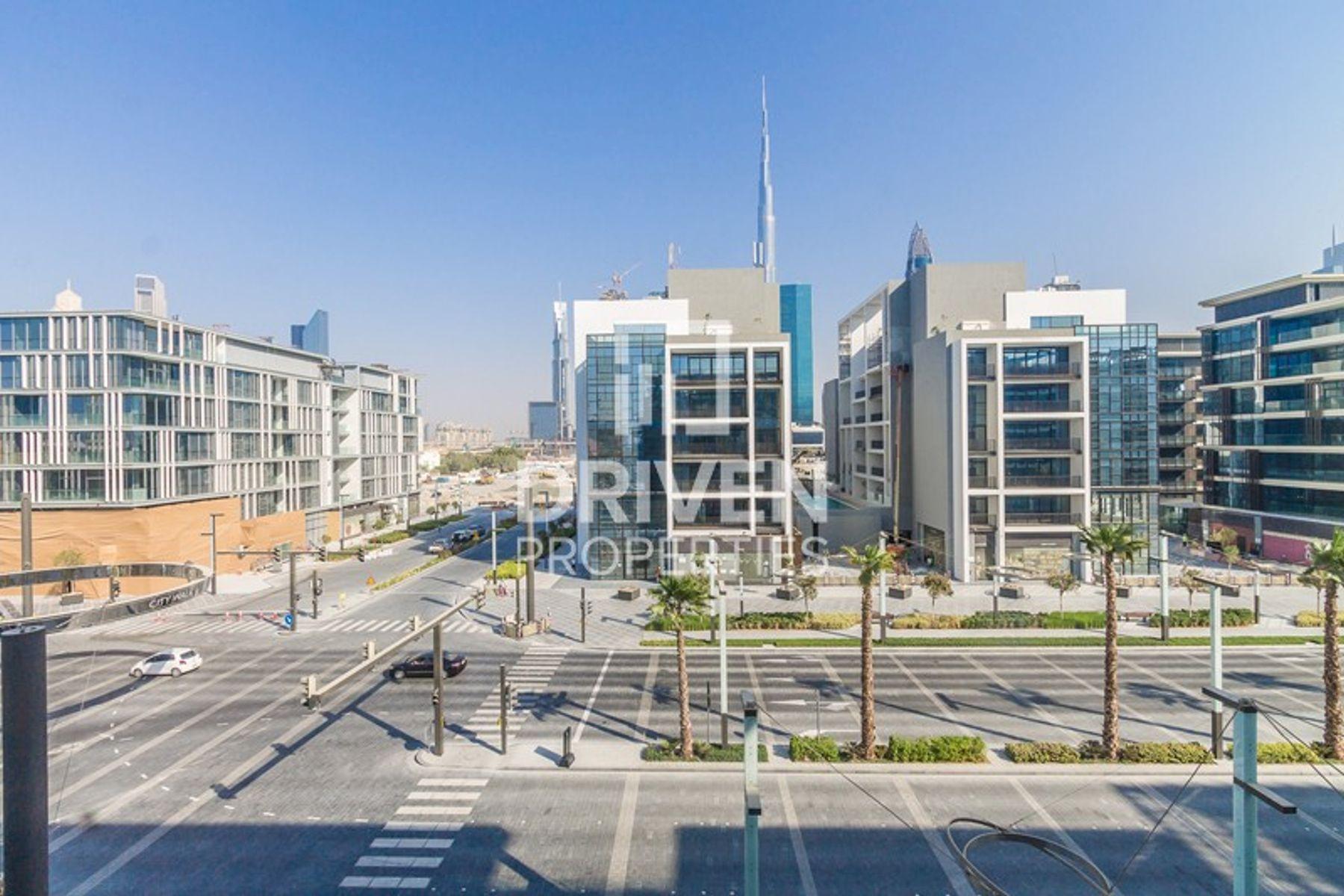Corner Close to Downtown  Burj Khalifa View