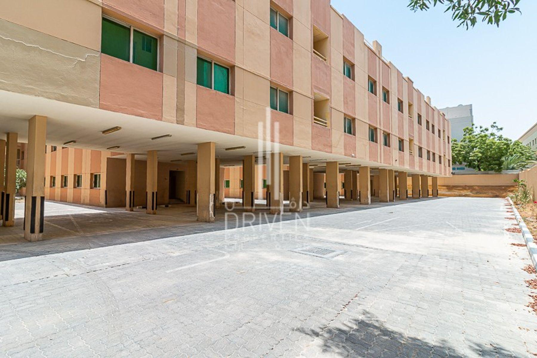 84,585 قدم مربع  مخيم عمال - للايجار - مجمع دبي للإستثمار