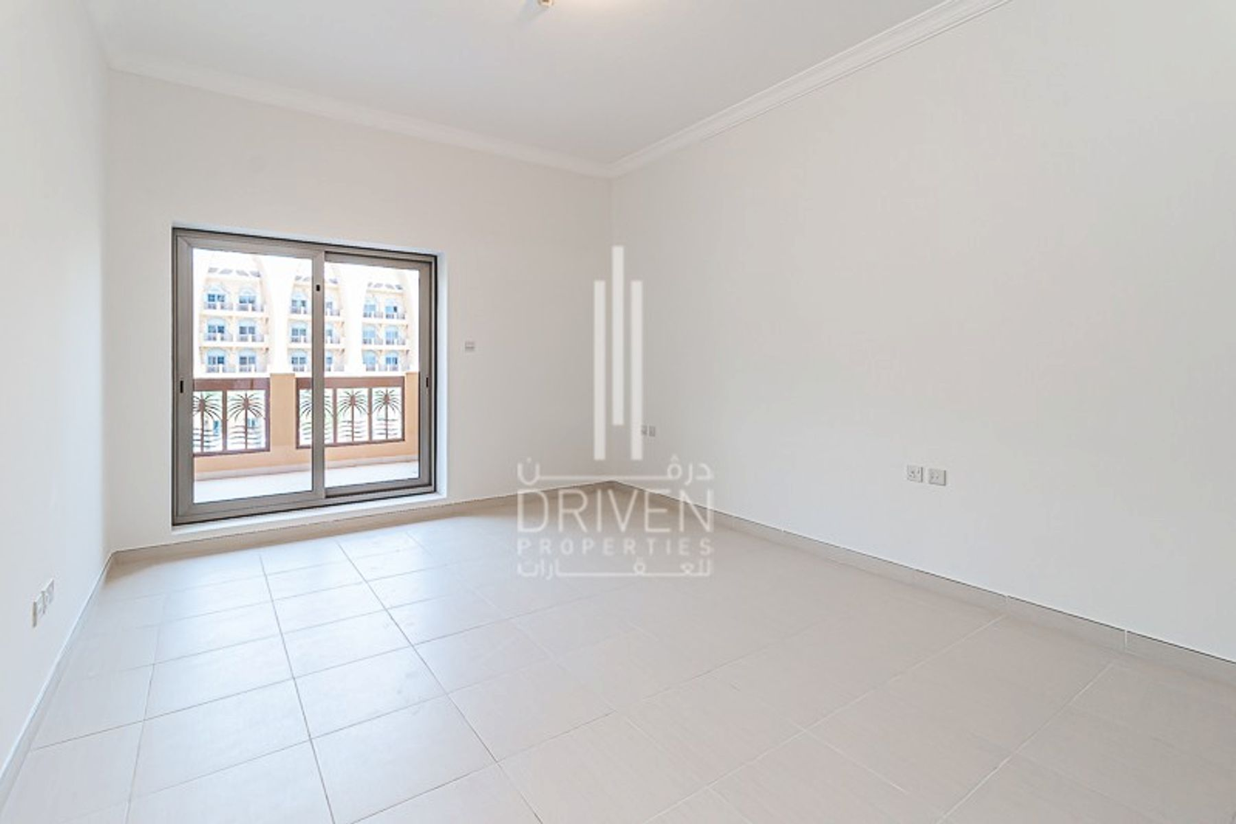 Spacious 1 Bedroom Apt with 1 Month Free