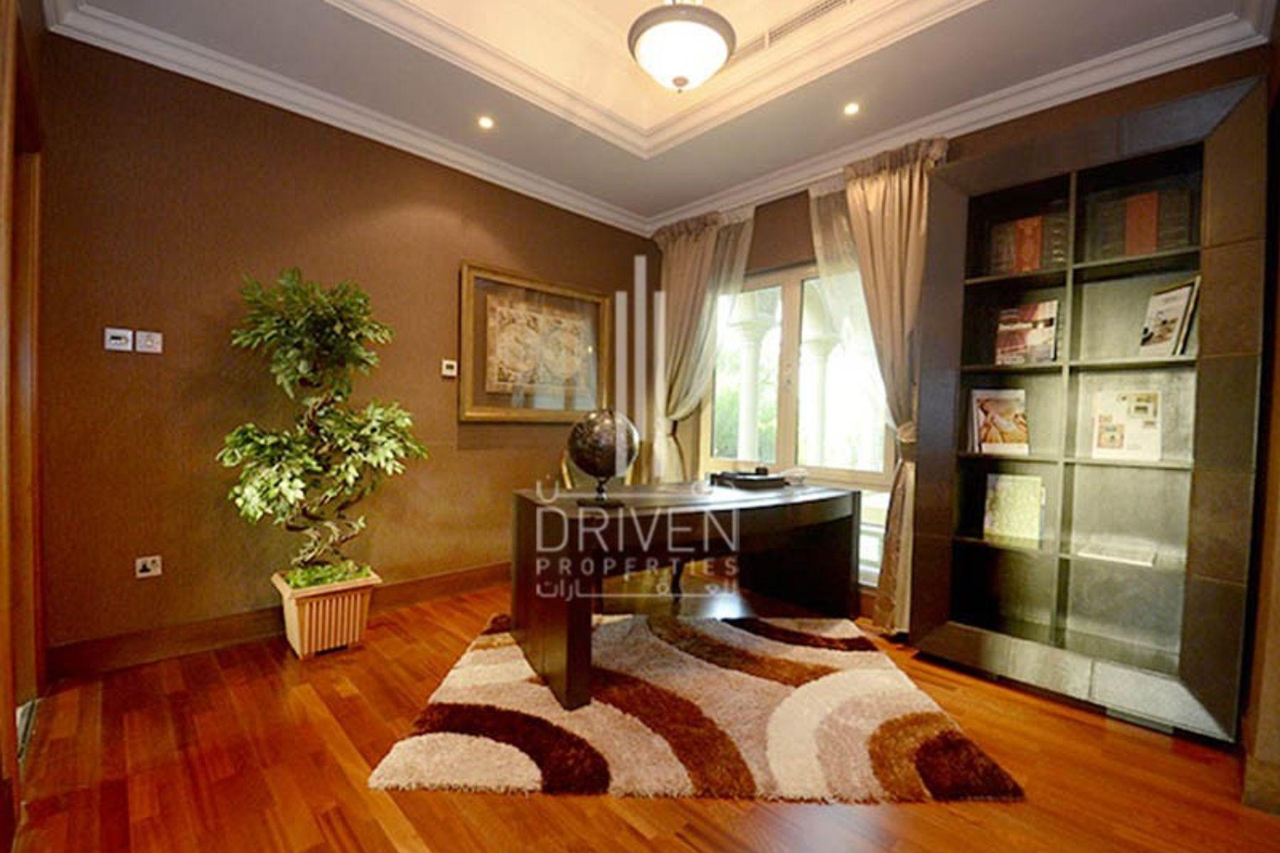 Villa for Sale in Entertainment Foyer, Jumeirah Islands
