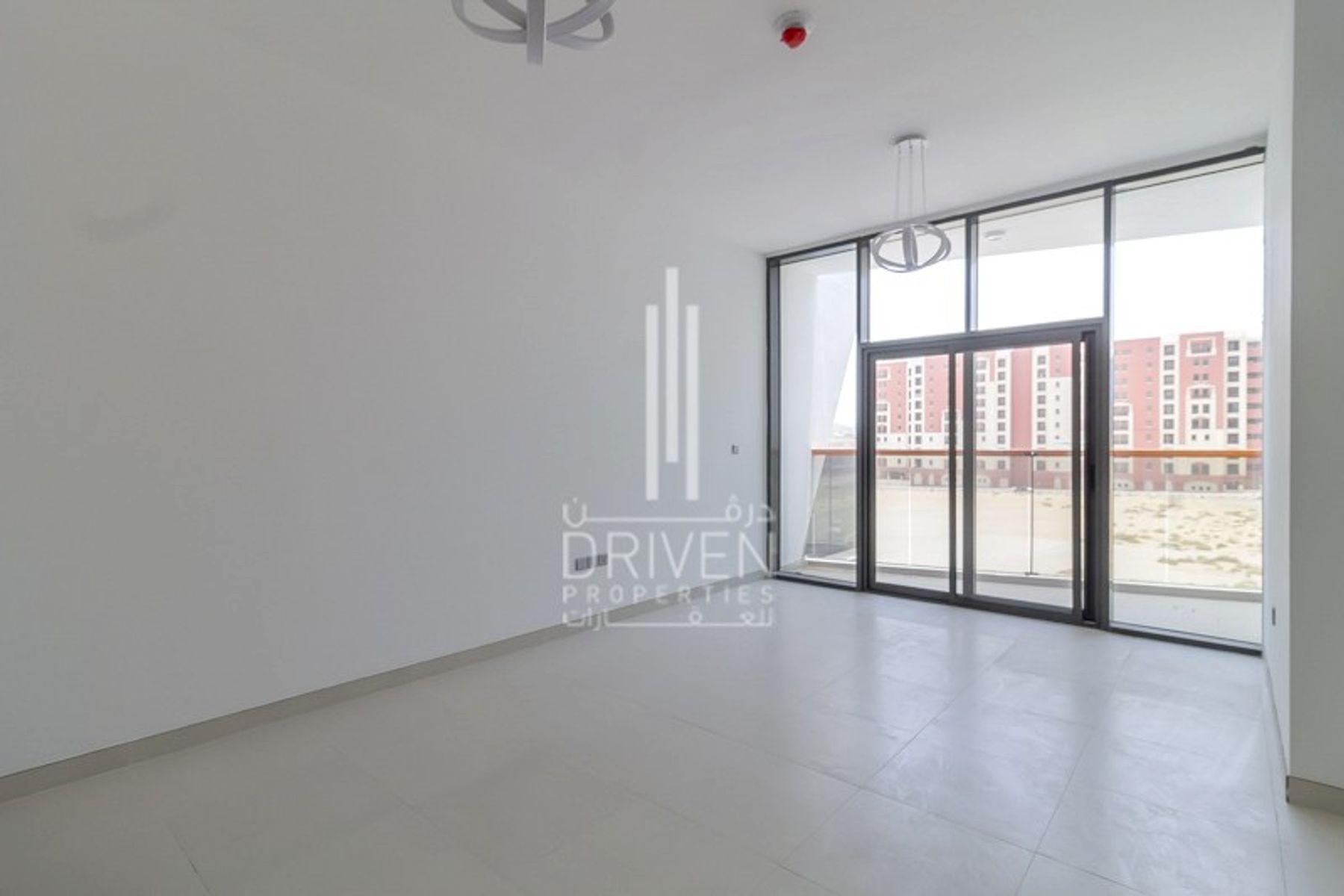 Studio for Rent in Binghatti Sapphires, Dubai Silicon Oasis
