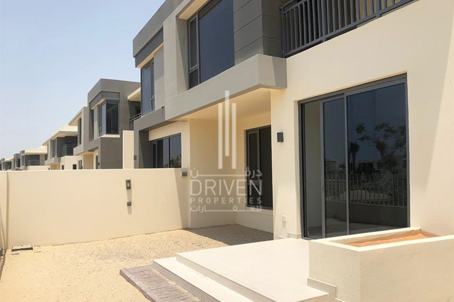 Brand New 5 Bedroom Villa, Great Location