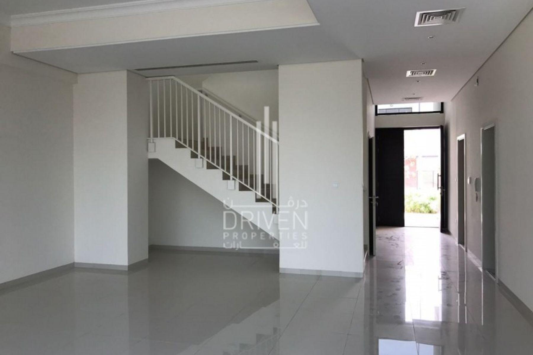 Villa for Sale in Queens Meadow - DAMAC Hills (Akoya by DAMAC)