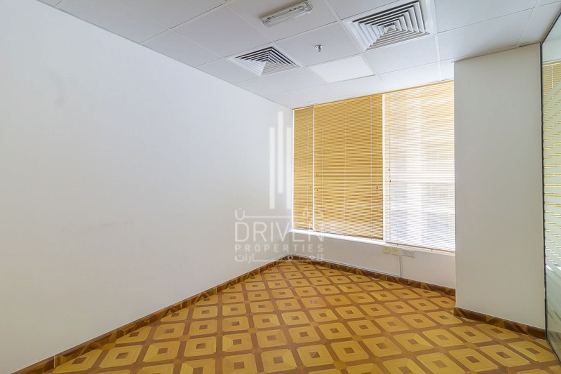 Office for Sale in Oxford Tower, Business Bay