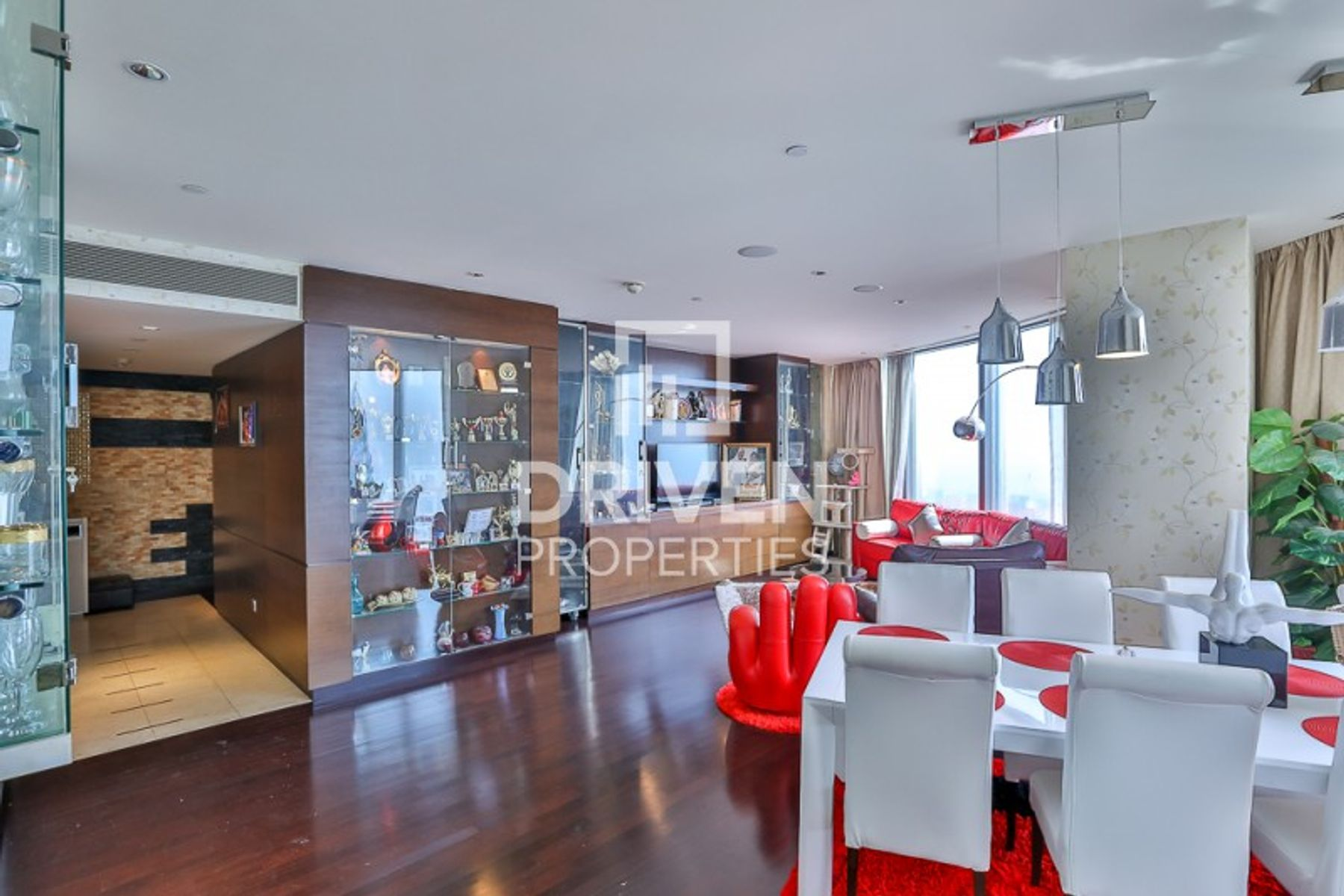 Investor Deal | Bright and Elegant Apartment