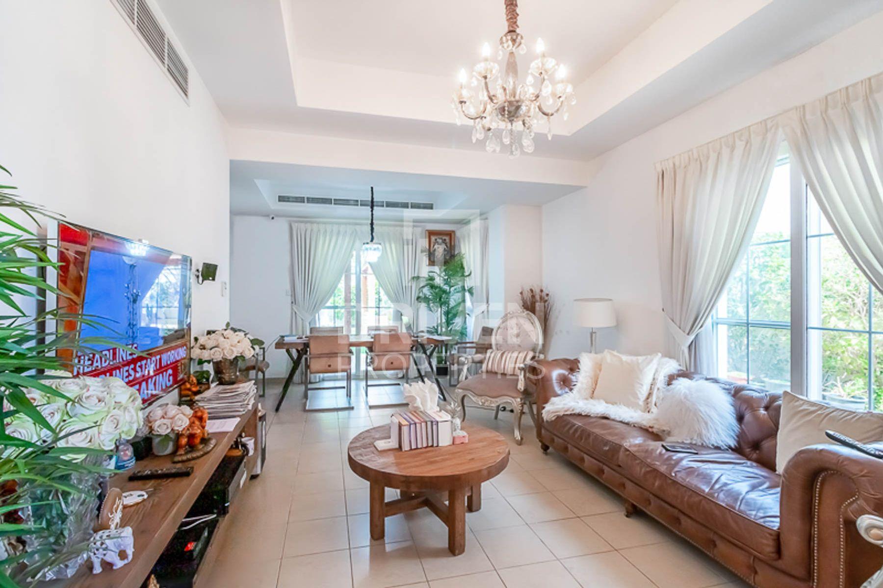 3 Bed Villa with Gazebo | 3 E and Corner