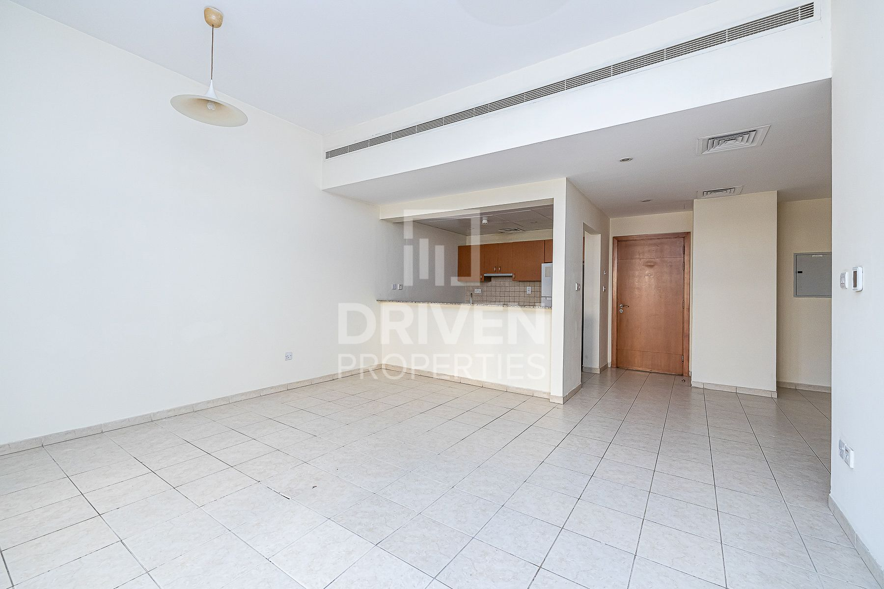 Vacant 3 Bed Apartment | Private Courtyard