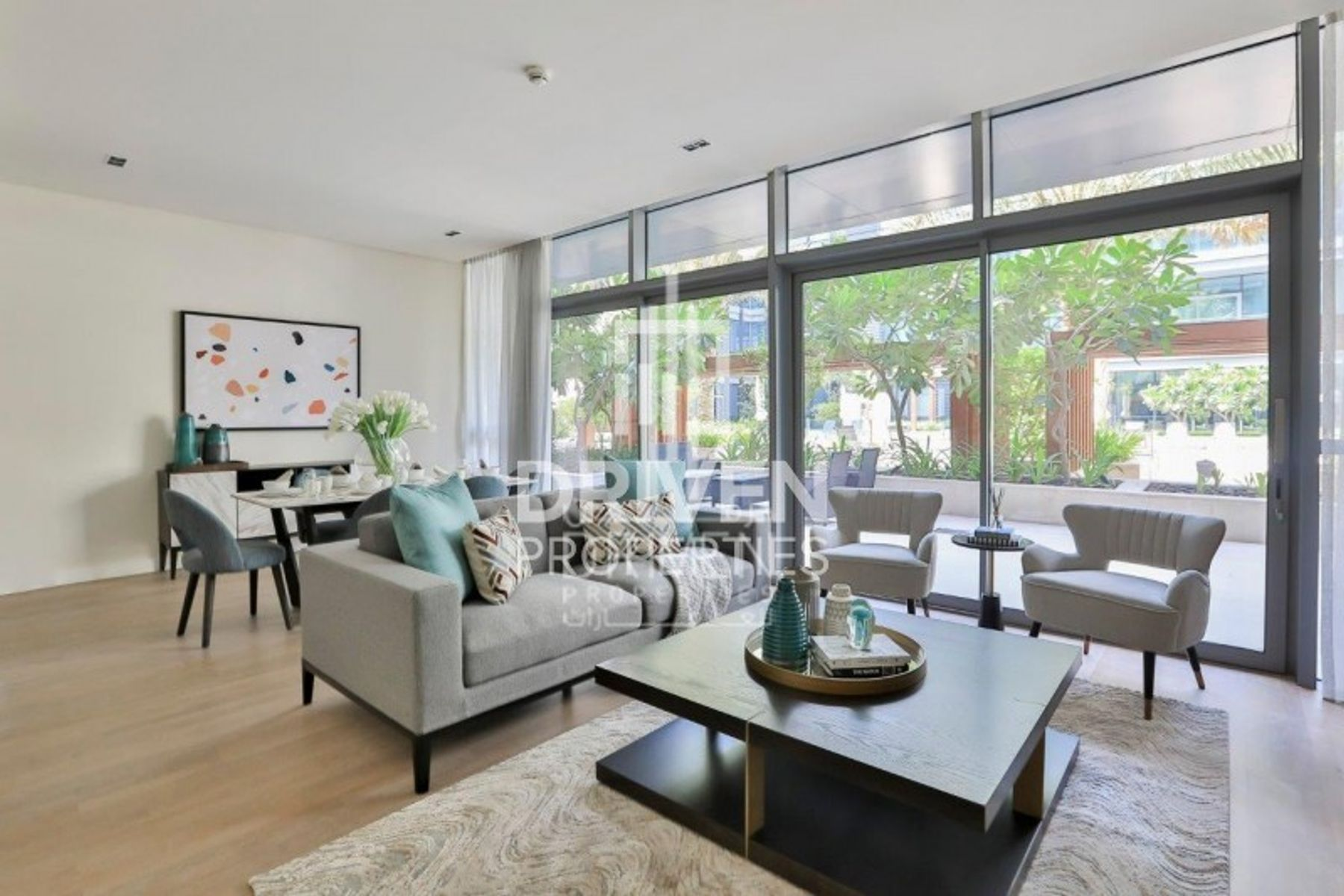 Magnificent and Large 2 Bed in City Walk