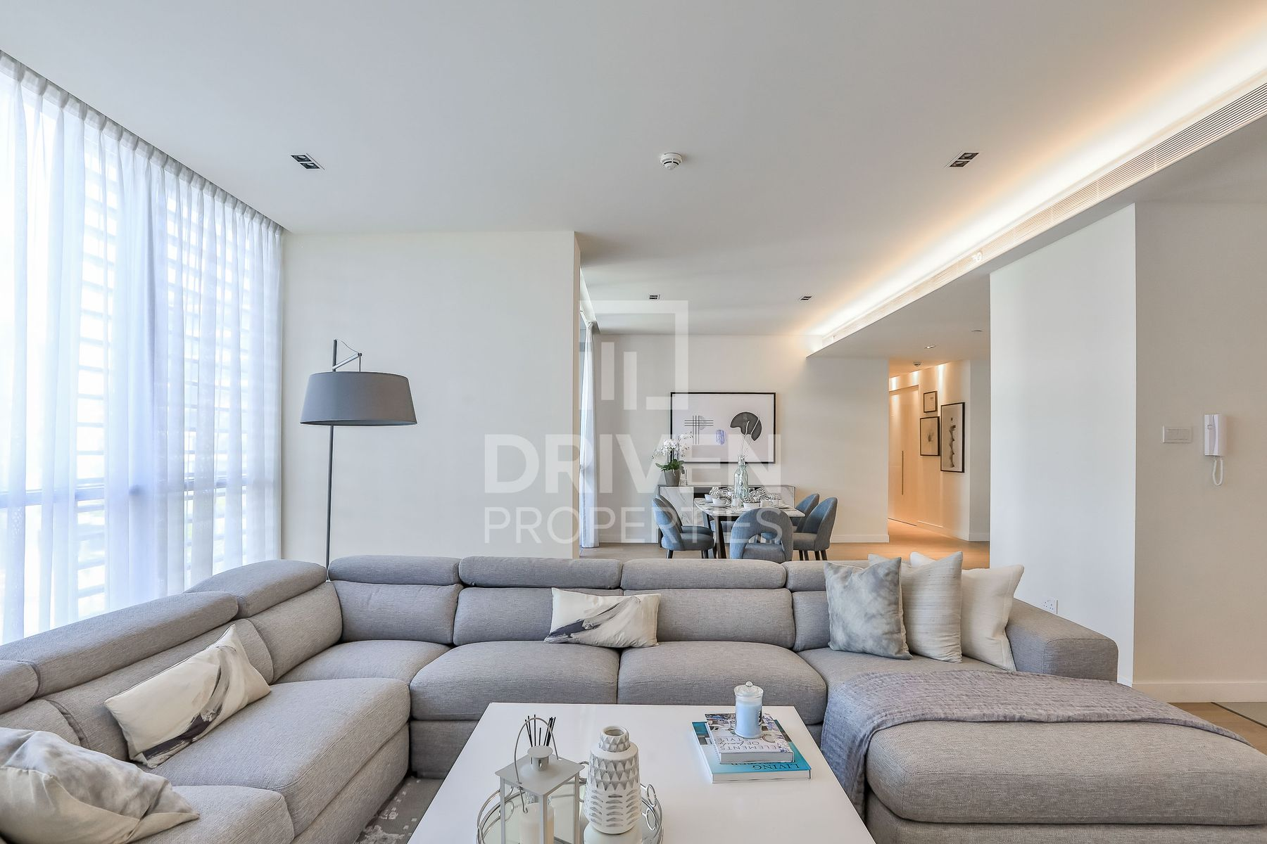 Lovely and Spacious Apt | Boulevard View