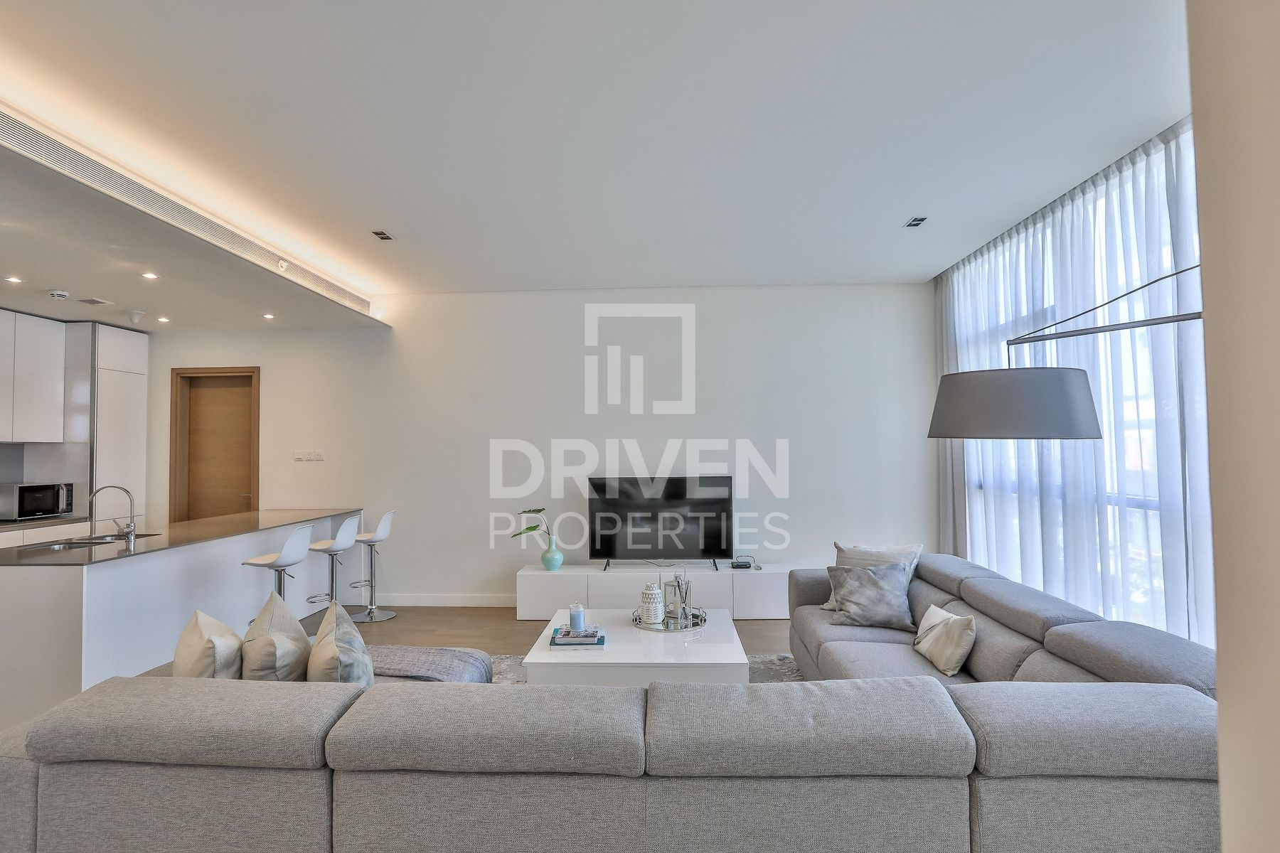 Lovely and Spacious Apt   Boulevard View