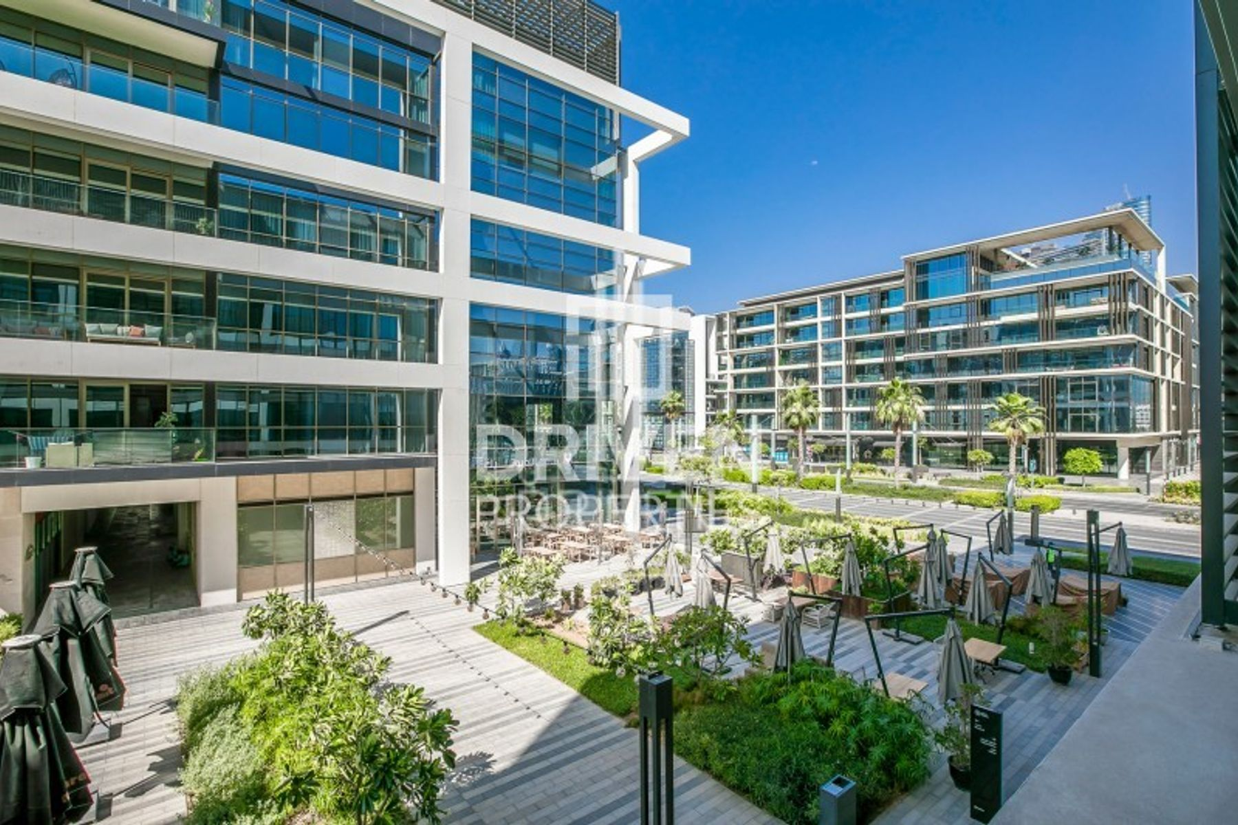 Spacious Unit with Partial Boulevard View