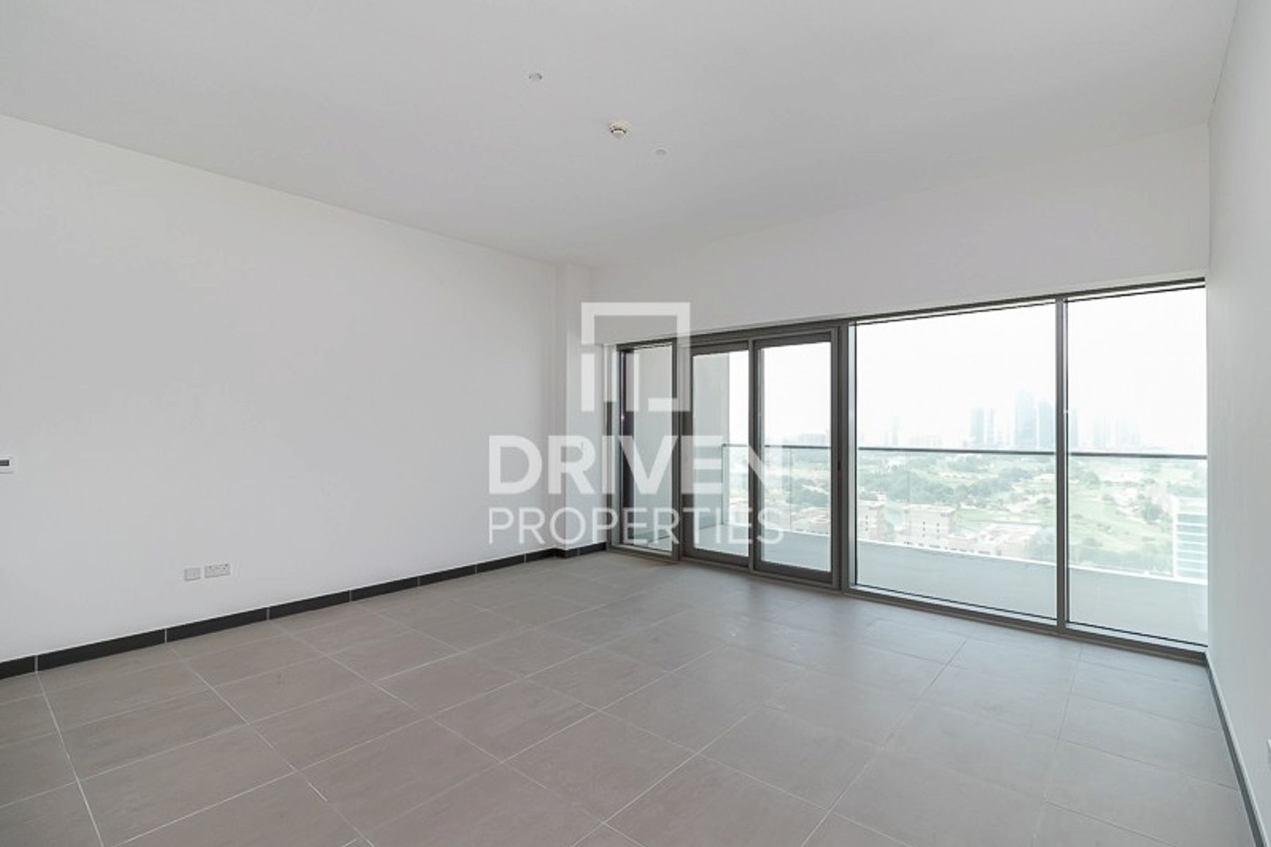 Higher Floor 2 Bedroom Unit With Golf View