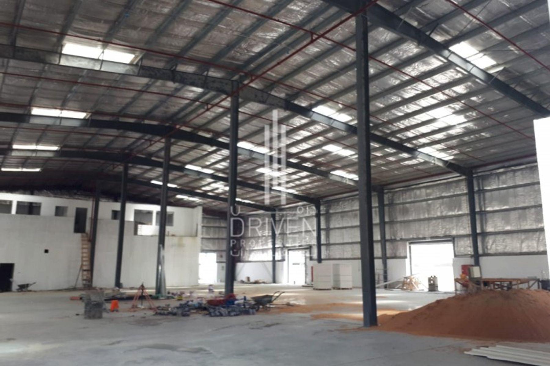 للبيع - مستودع - المنطقة الصناعية - حديقة دبي الصناعية