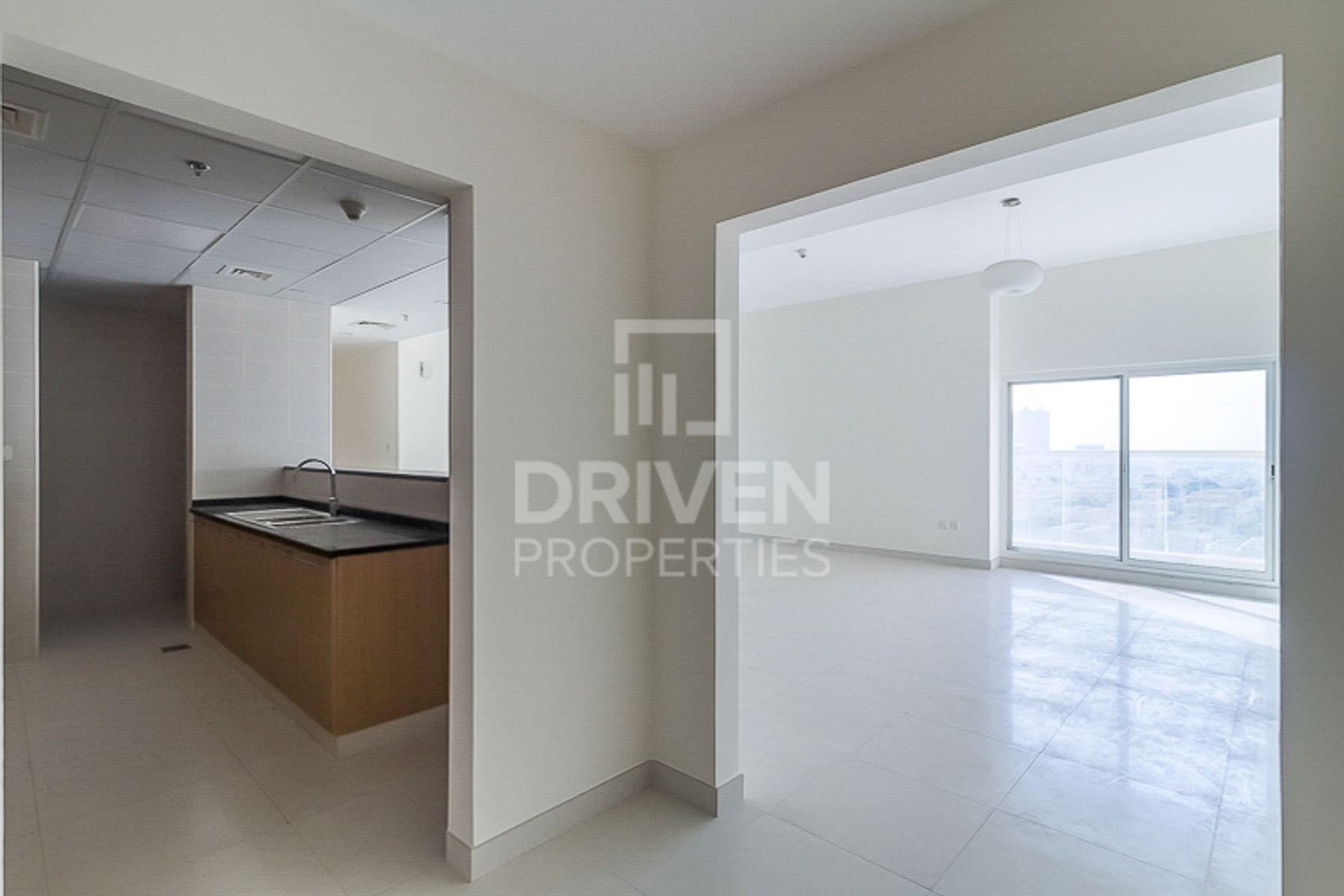 Well-maintained, Spacious and Bright Unit