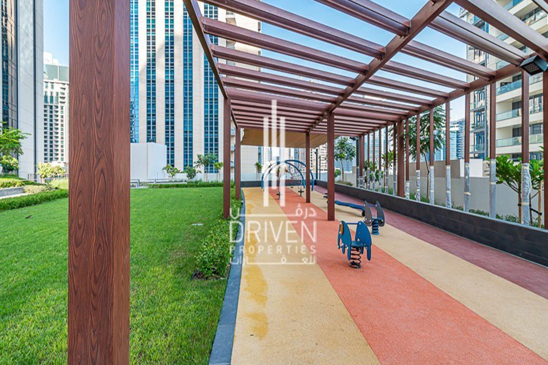 Apartment for Sale in Boulevard Crescent 1 - Downtown Dubai