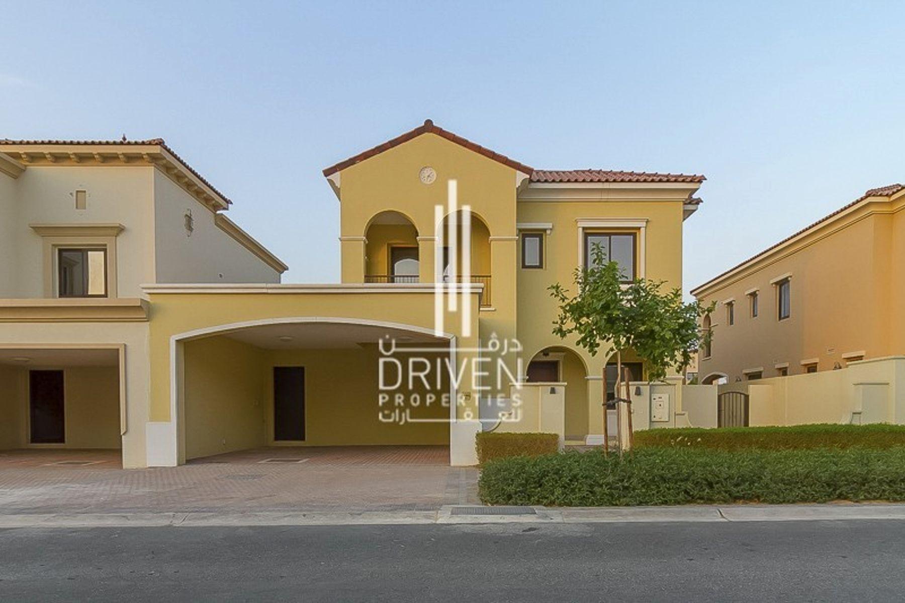Spacious 5 bedrooms Villa in Arabian Ranches