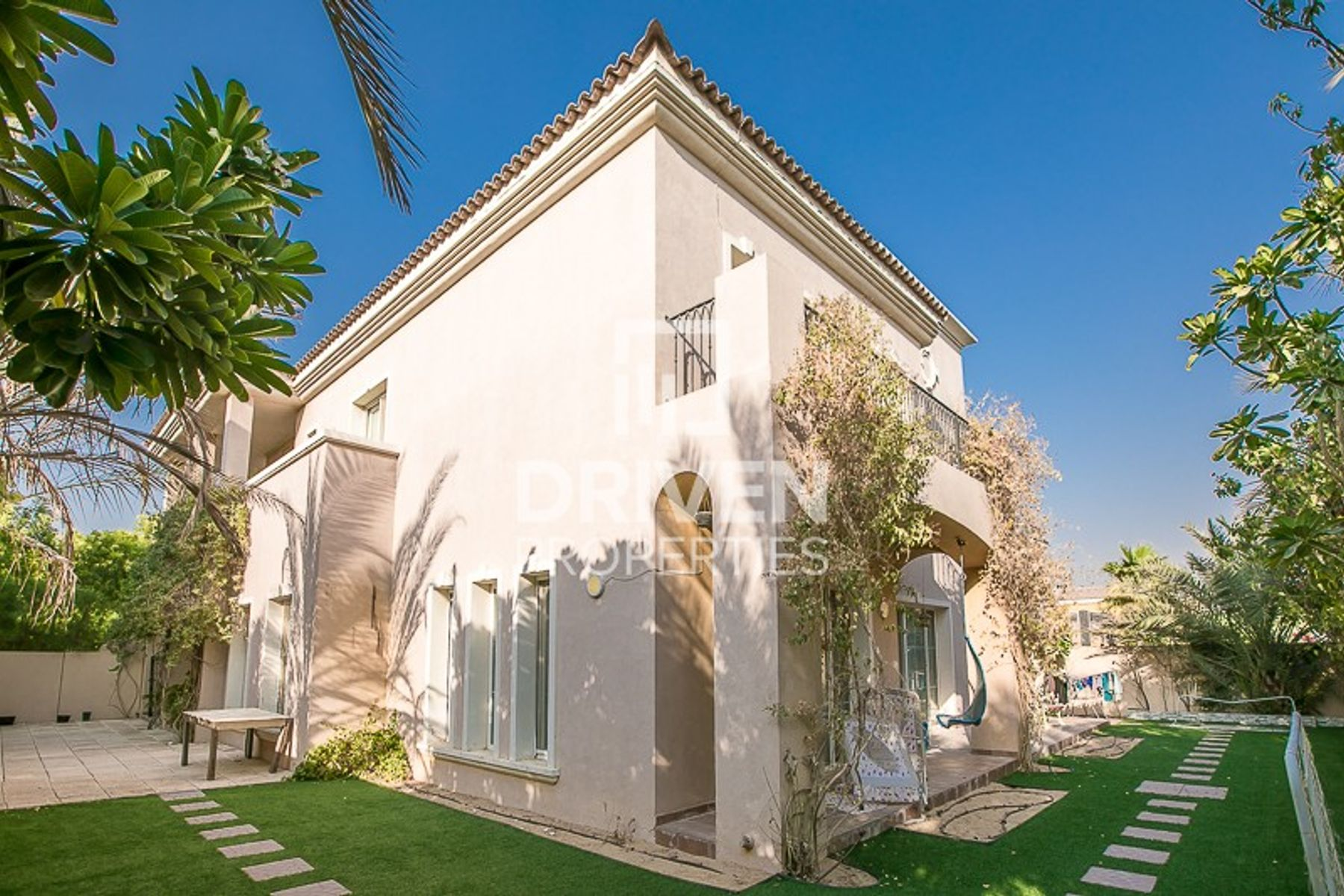 Well Maintained 5 Bed Villa | Prime Location