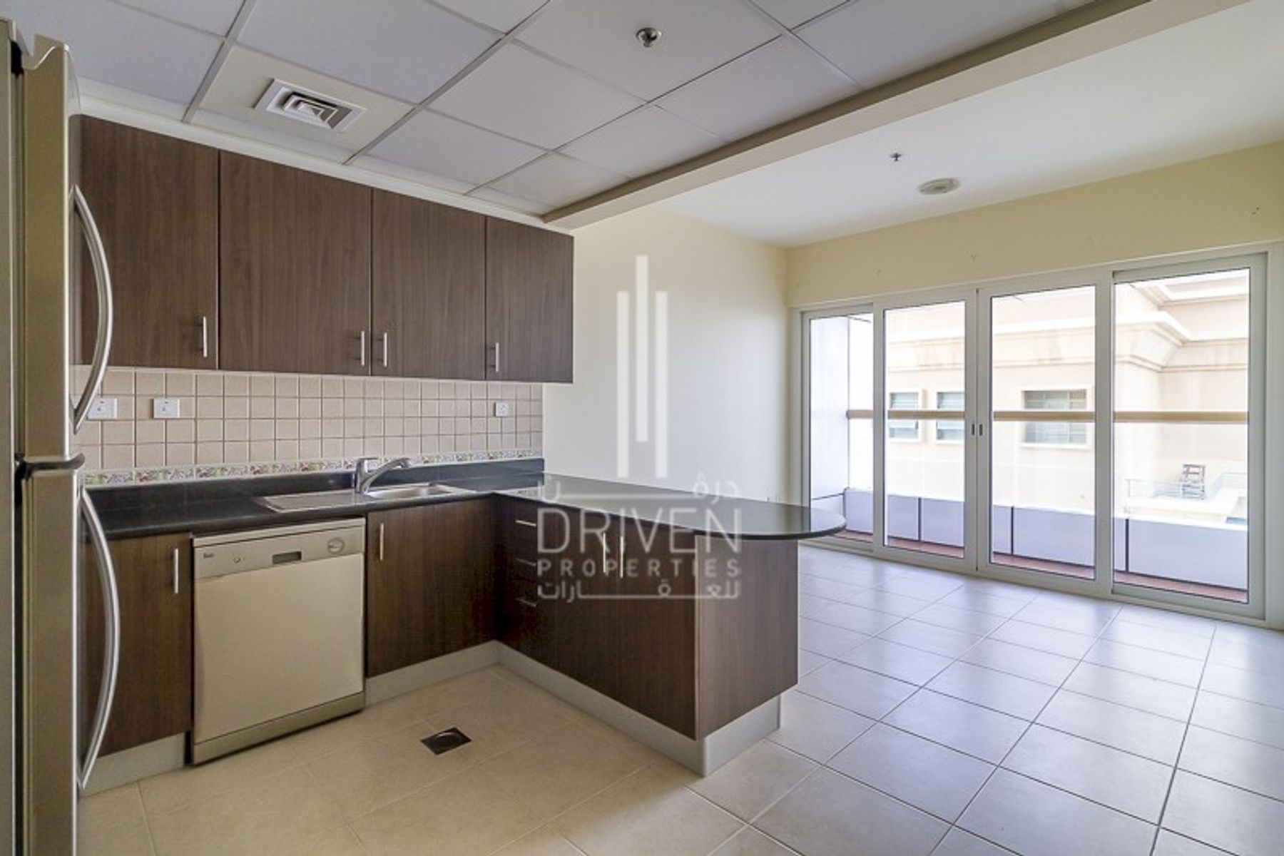 Vacant | High Floor w/ Partial Sea Views