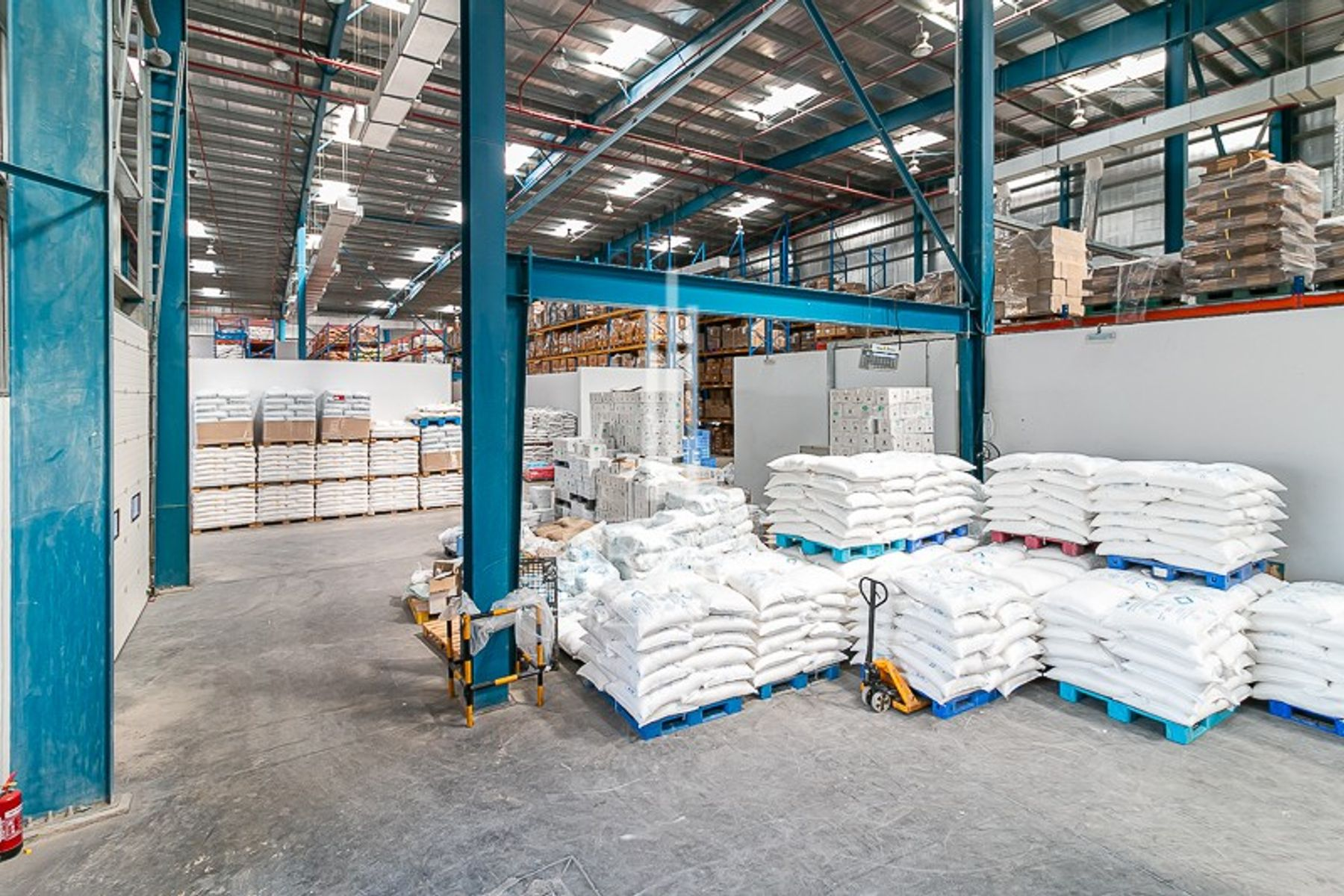 Warehouse for Rent in Technology Park - Technology Park