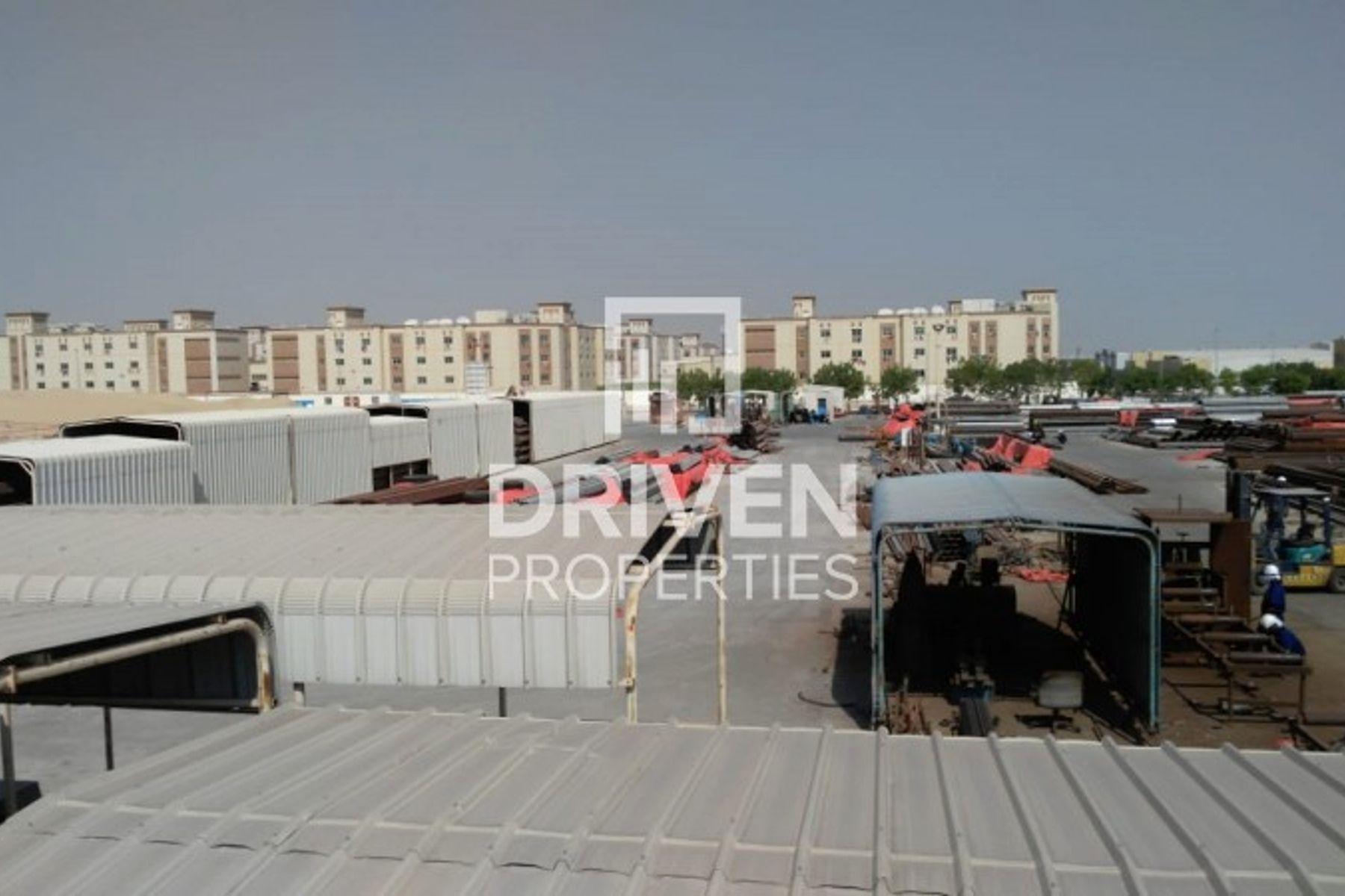 للبيع - مستودع - منطقة المعادن - حديقة دبي الصناعية
