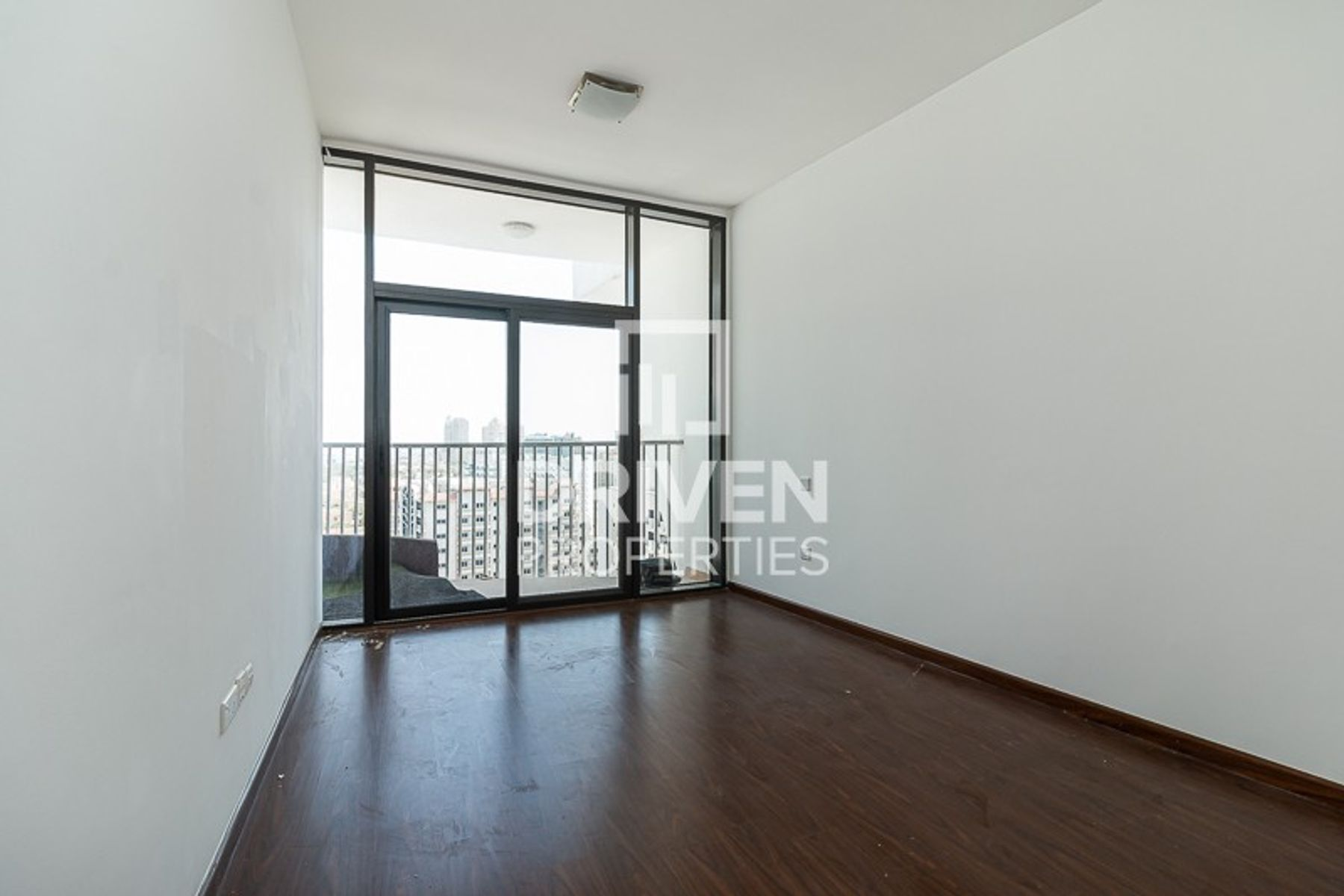 Impressive Apt with 1 Month Free for 12 Chq