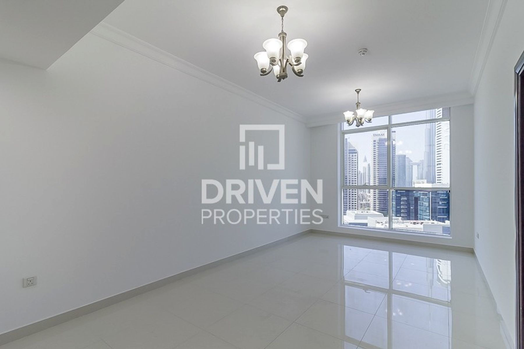 Huge Layout   1 Bedroom Apt   Canal View