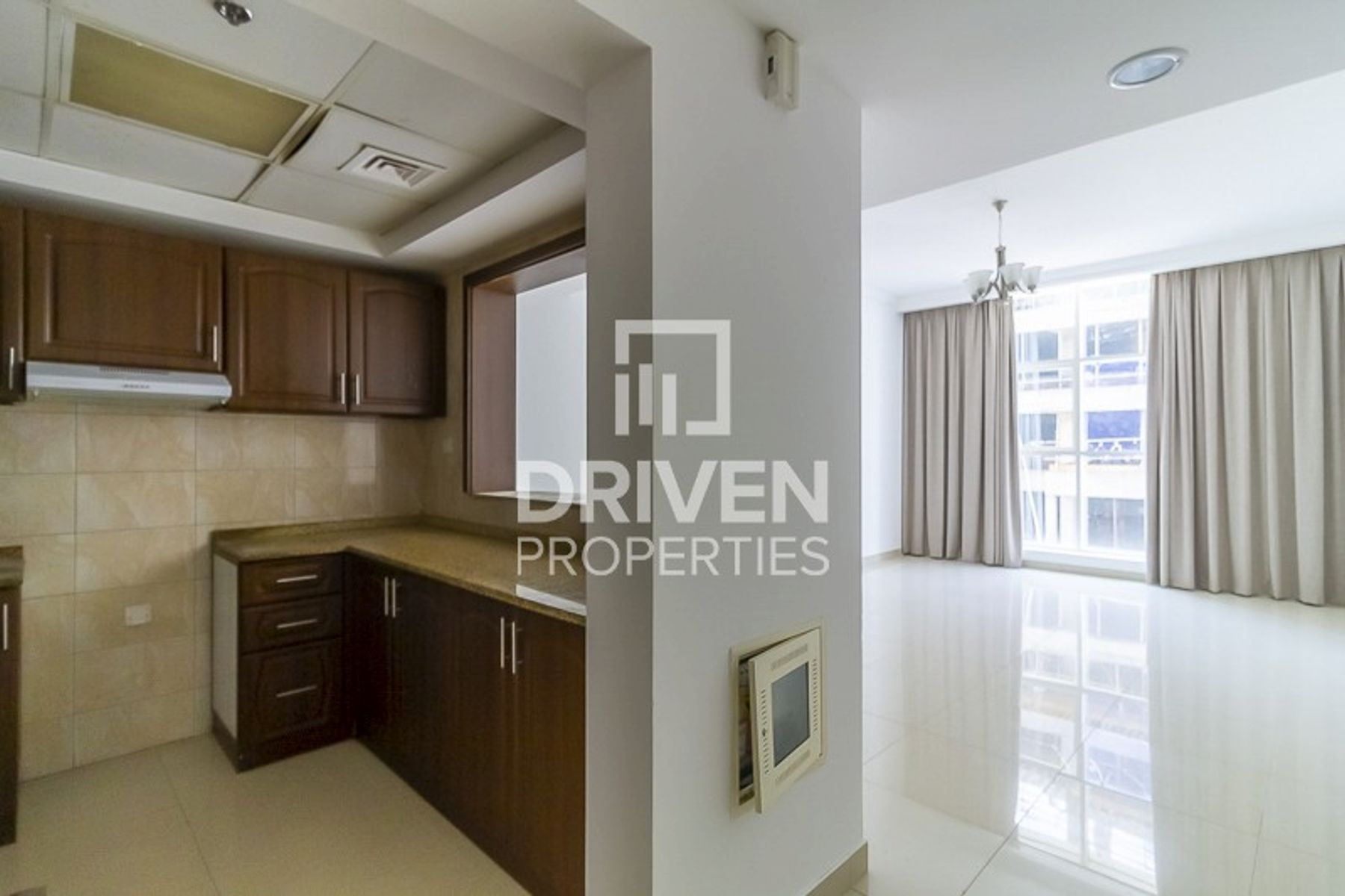 Well Maintained 2 Bed Apt in Prime Location