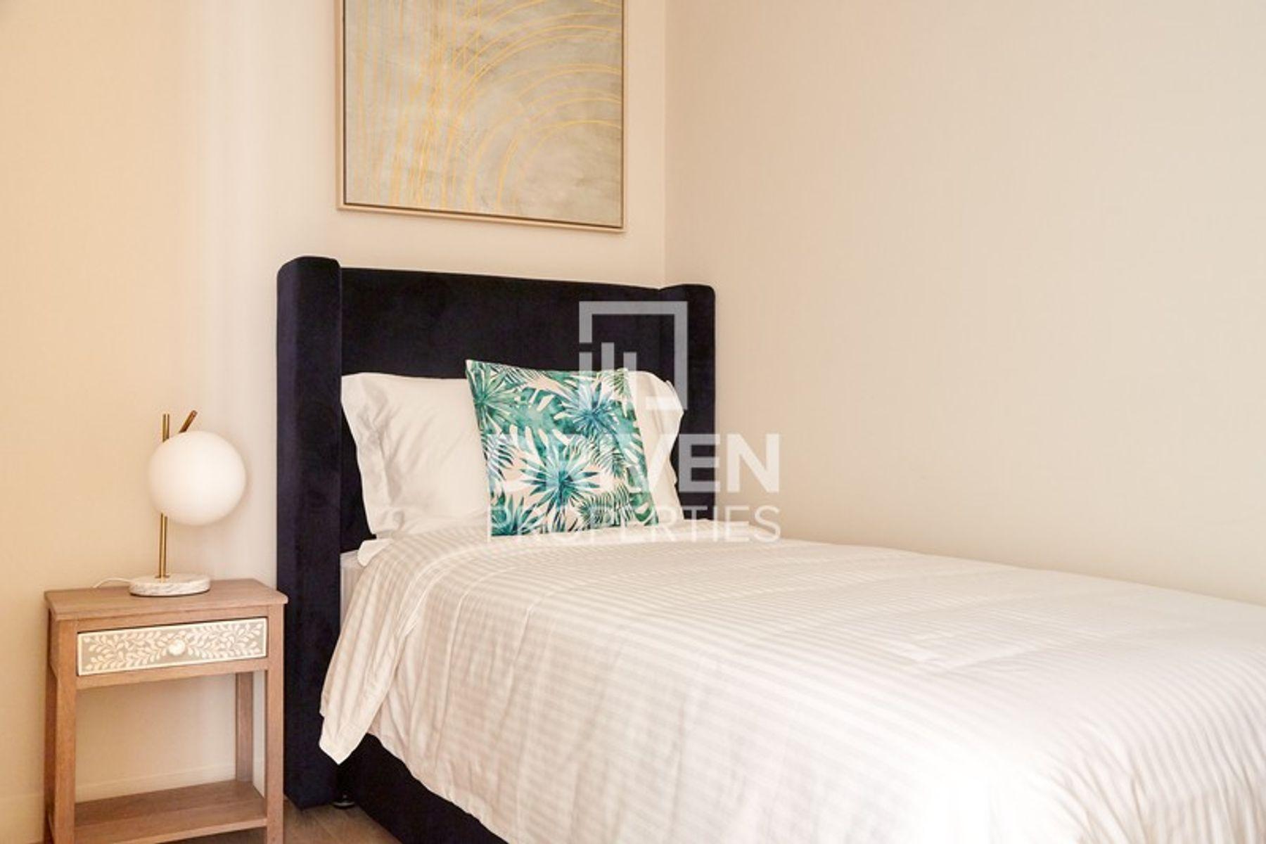 للايجار - شقة - الفتان كريستال تاورز - مساكن شاطئ الجميرا