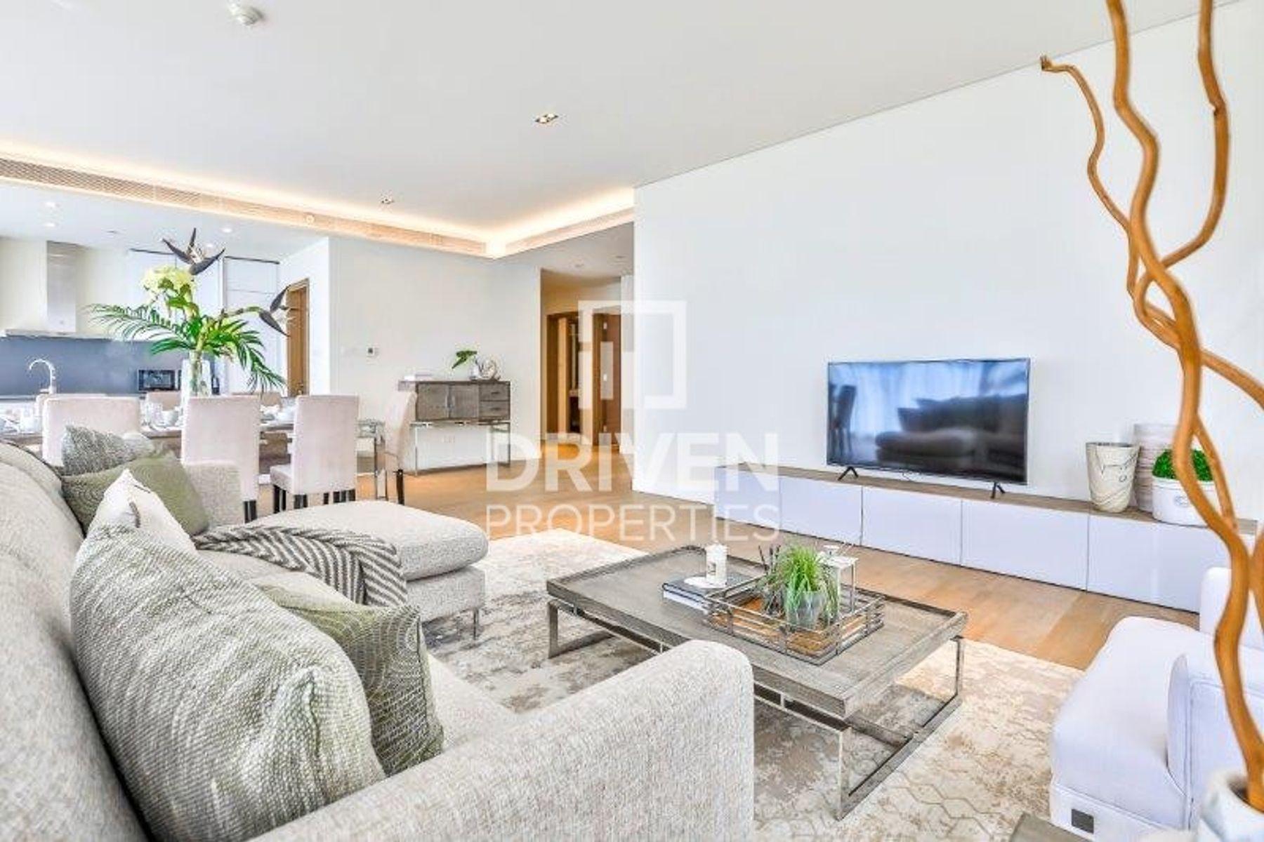 Elegant 3 Bed Apartment | Excellent Location