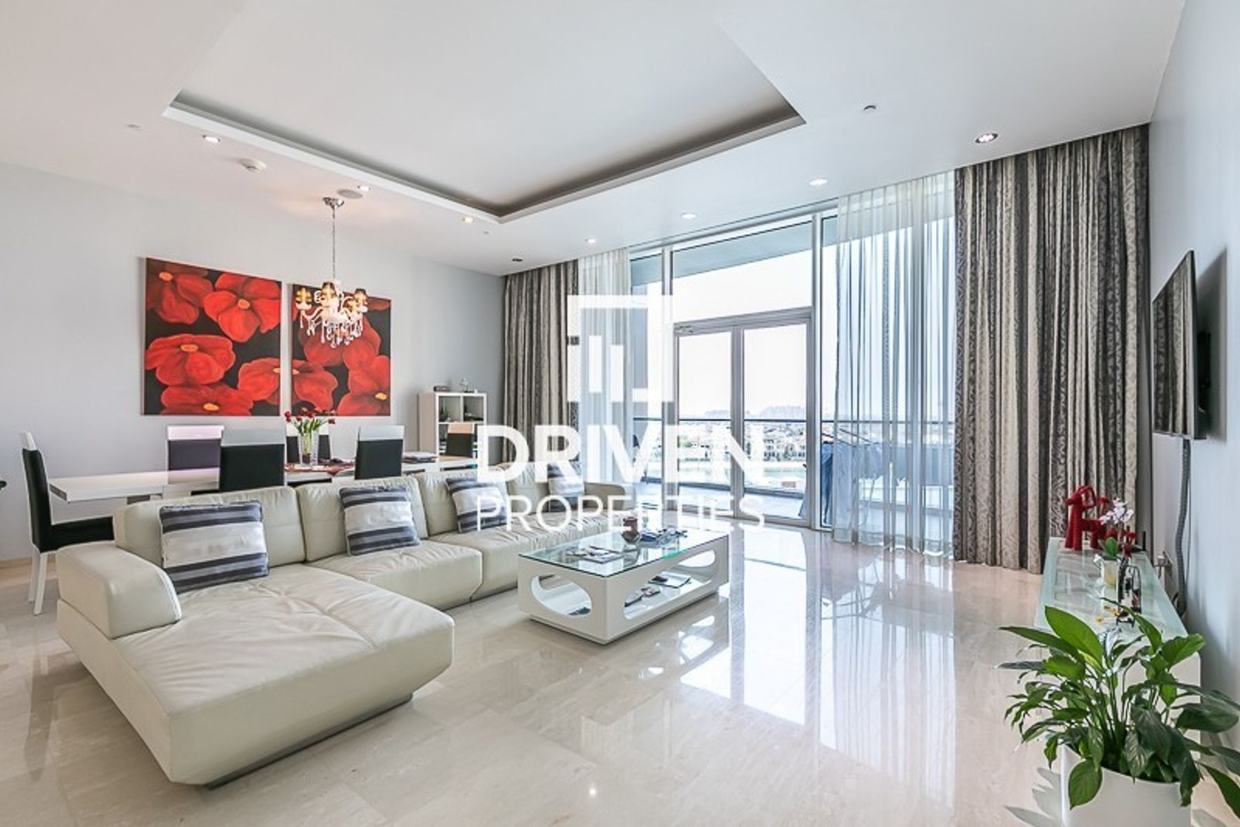 Luxurious Furnished Unit | Stunning View