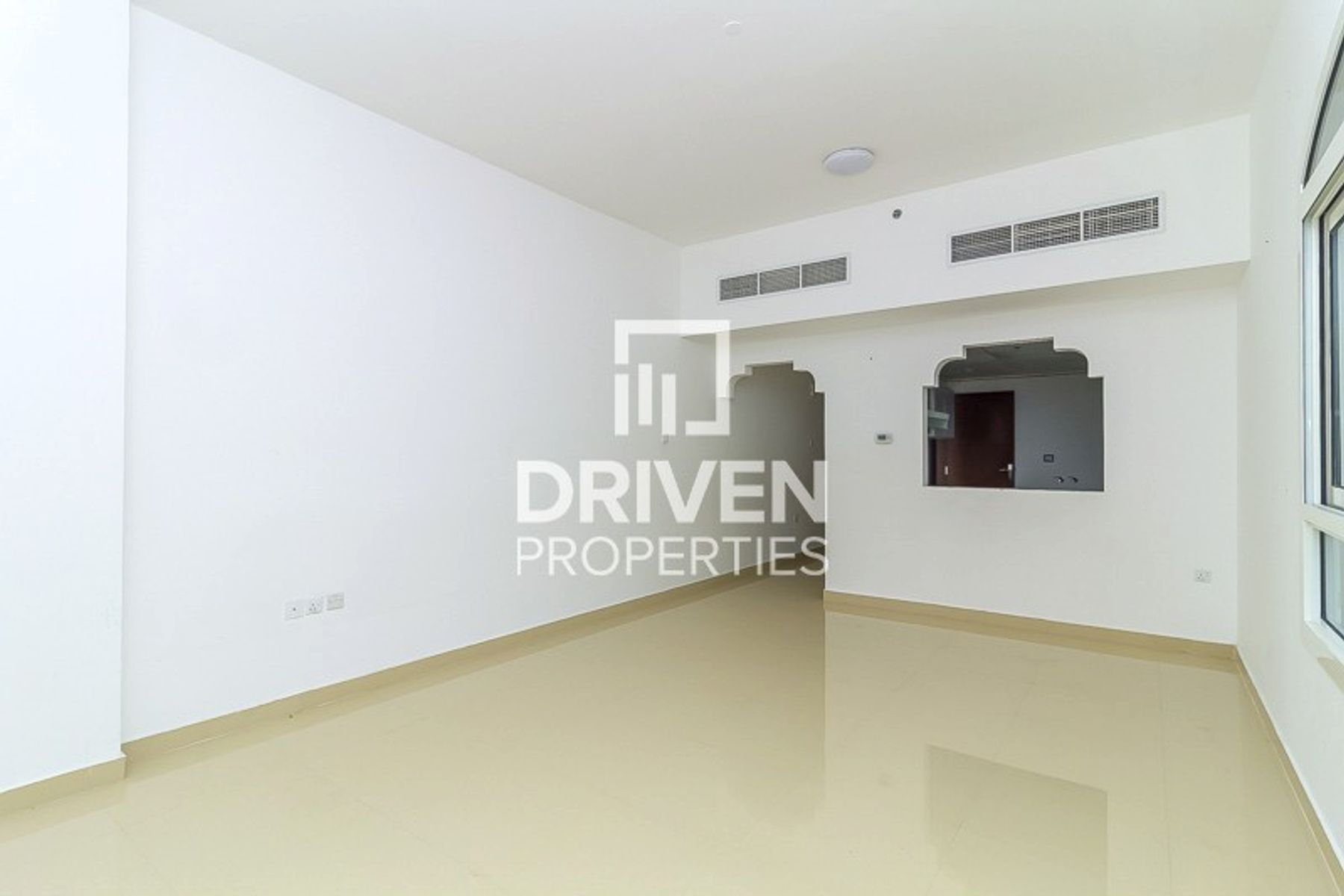 Well-kept | 3 Bed Apartment | Pool View