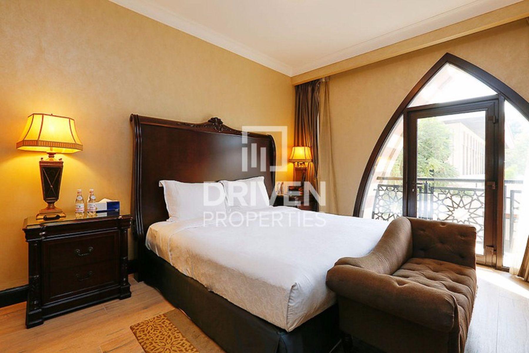 Villa for Sale in Jumeirah Zabeel Saray - Palm Jumeirah