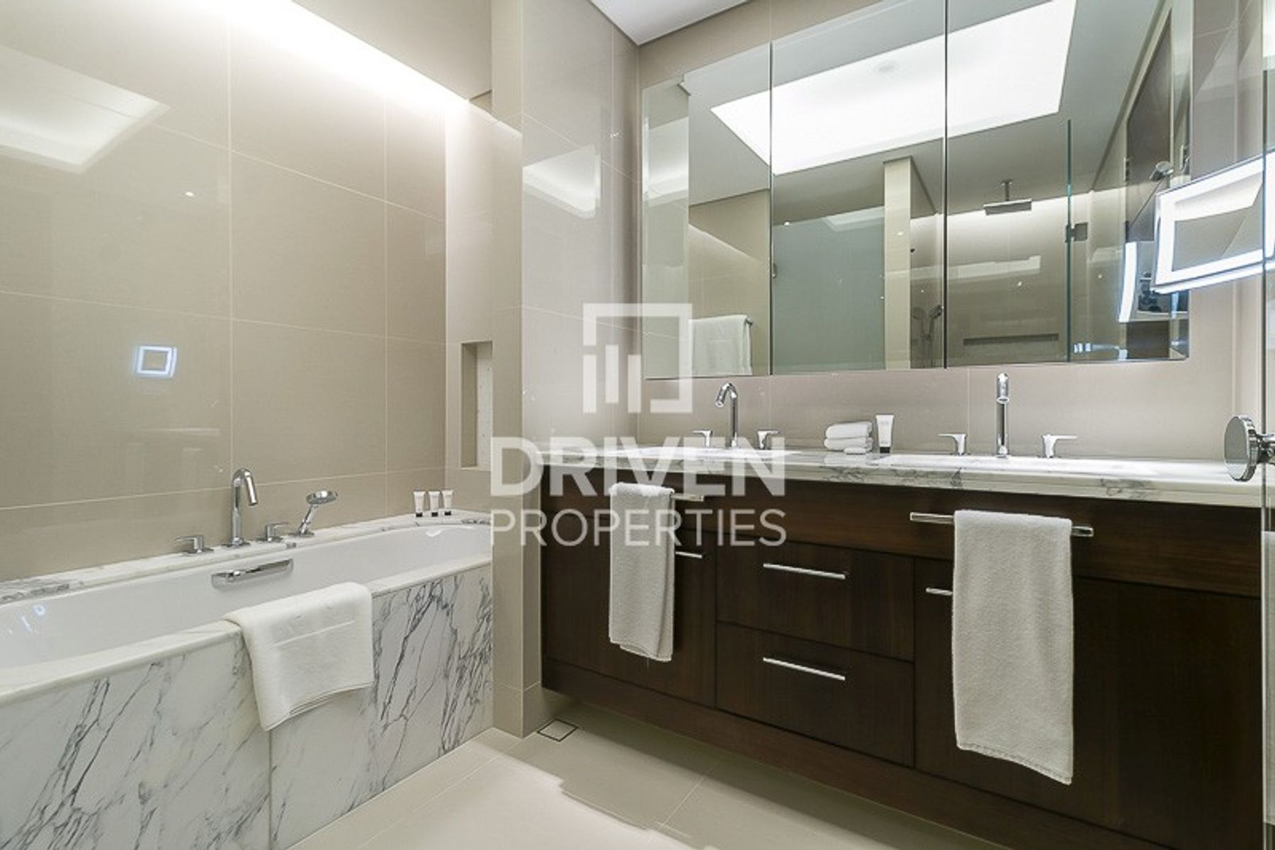 للايجار - شقة - 1 فندق العنوان-سكاي فيو - دبي وسط المدينة