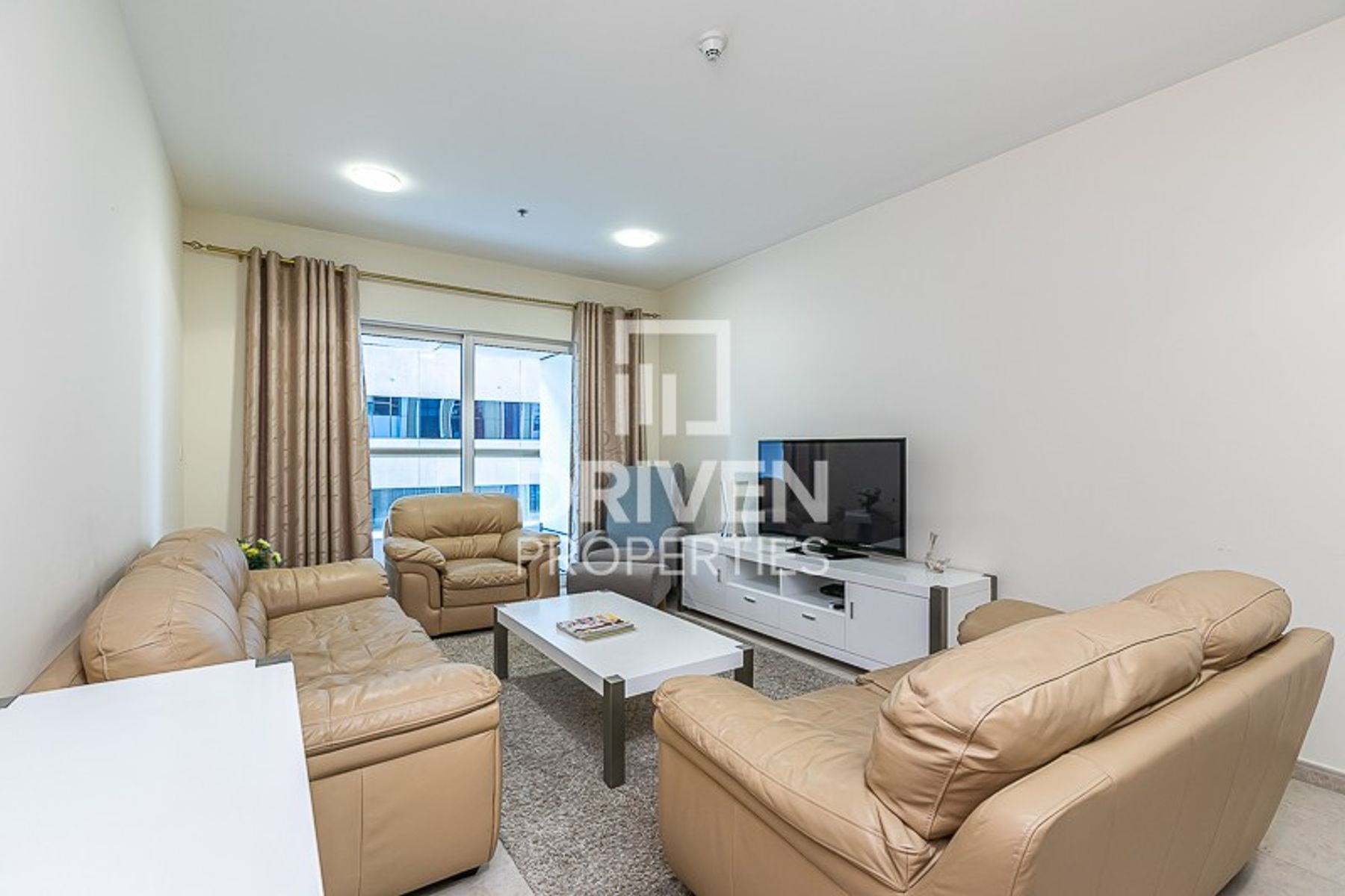 Stunning, Fully Furnished and Bright Unit