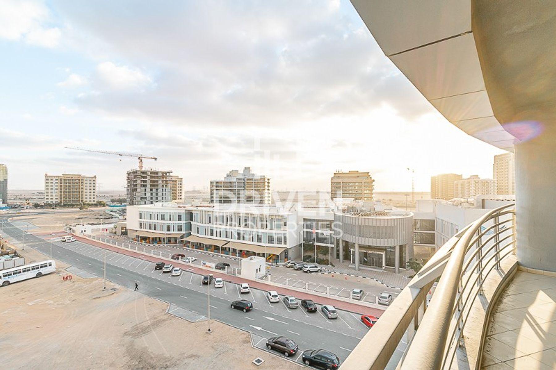 للبيع - شقة - دزارت سان - مجمع دبي ريزيدنس