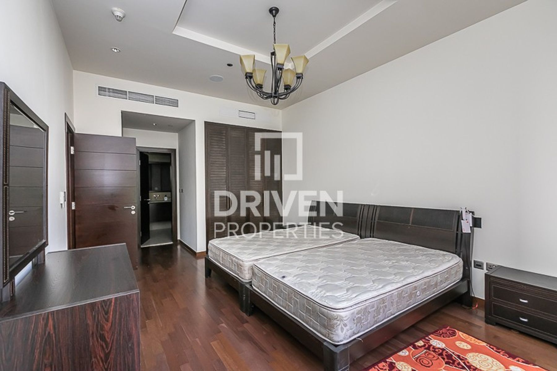 Well-maintained and Fully Furnished Unit