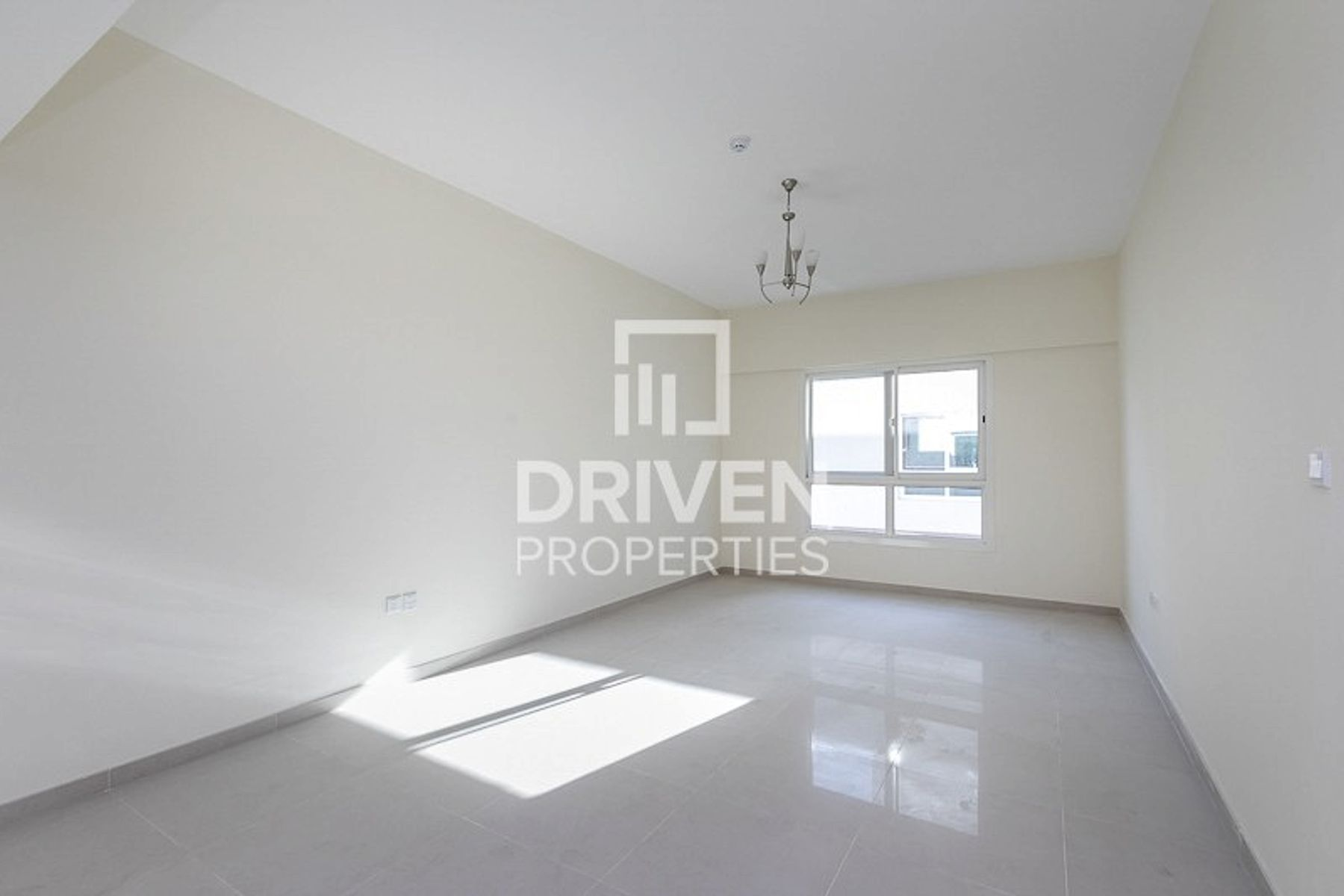 Elegant Apartment in Jumeirah Village Circle