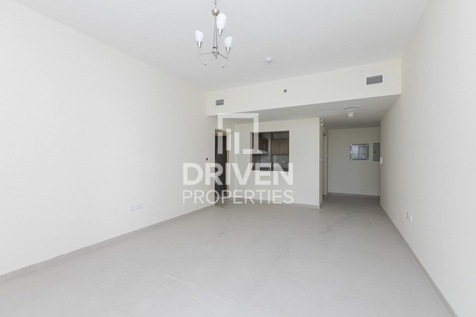 Spacious Unit in Jumeirah Village Circle