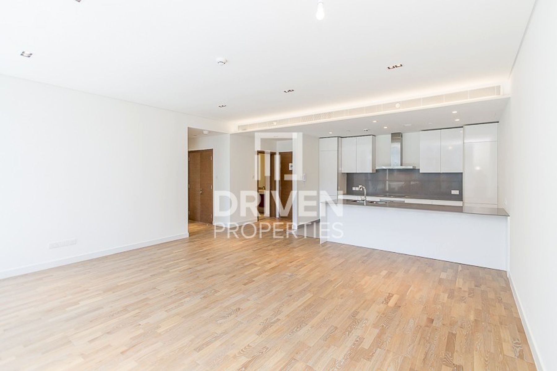 Spacious 1 Bed Apartment | Prime Location