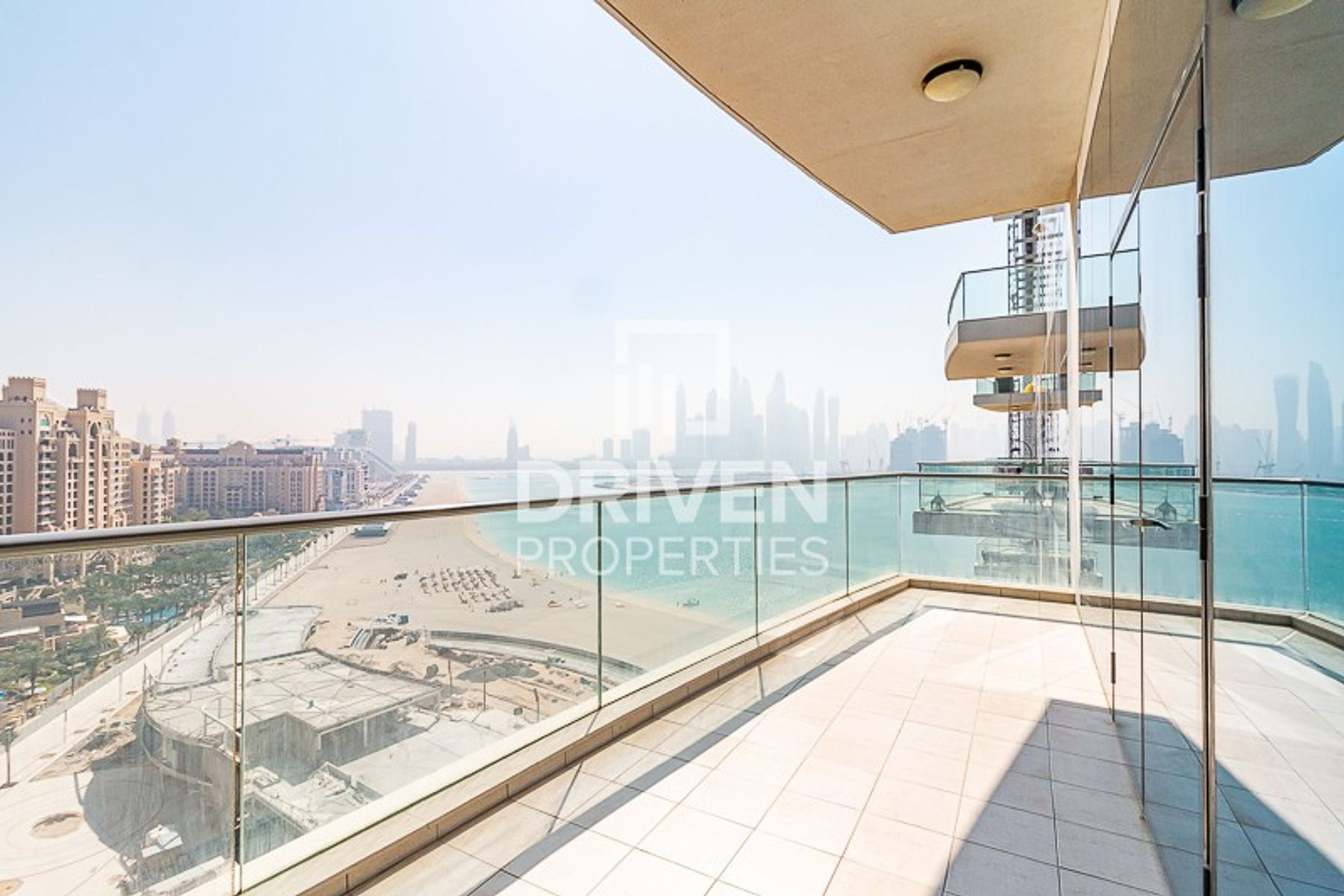 Upgraded 3 Bed Apt with Full Marina View