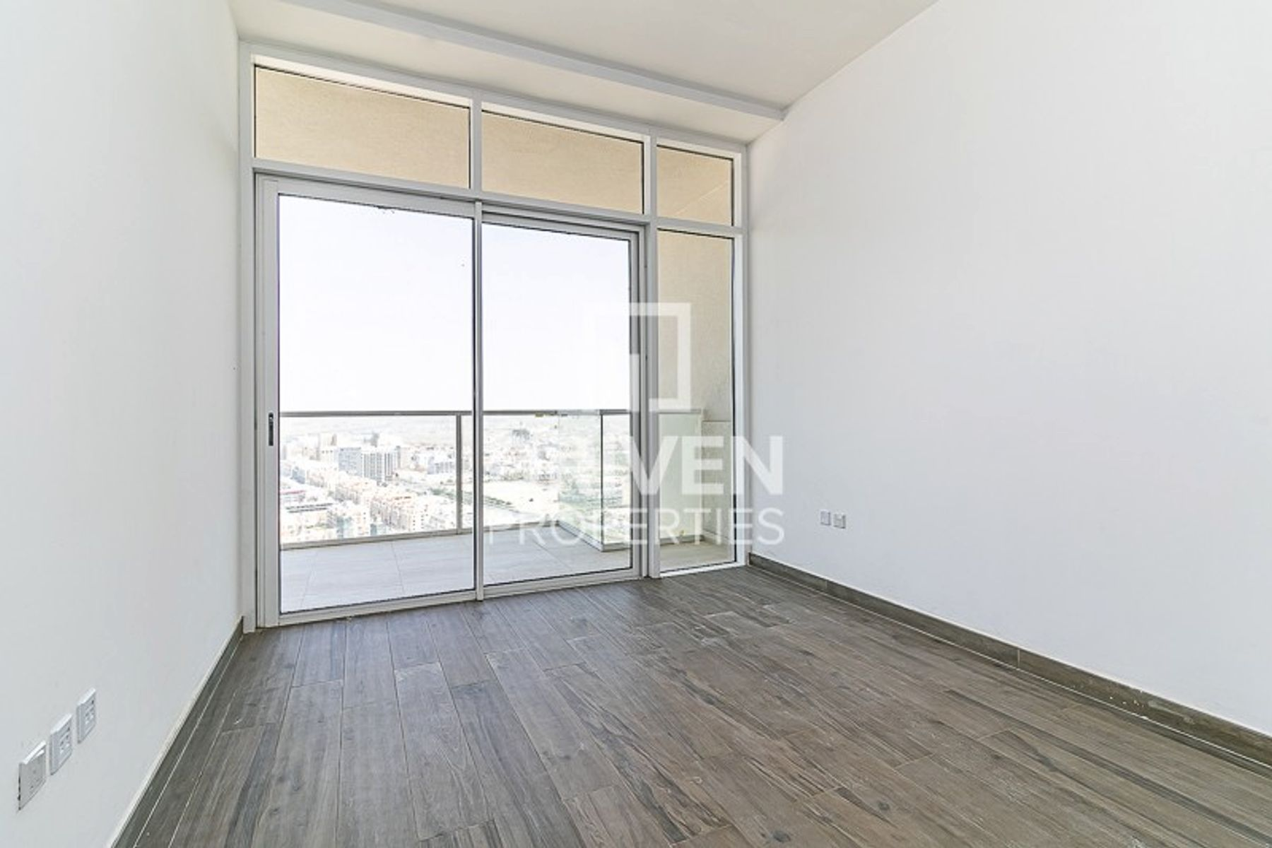 Amazing and Brand New Apt with Park View