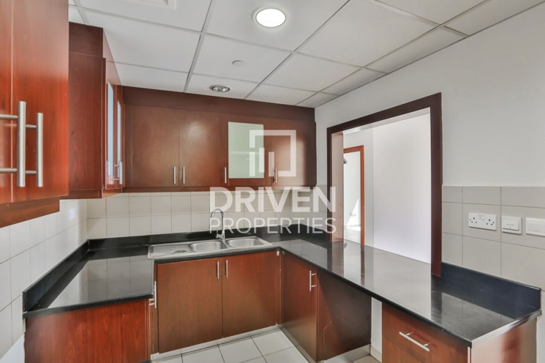 Vacant 2 Bed Apartment with Full Marina View