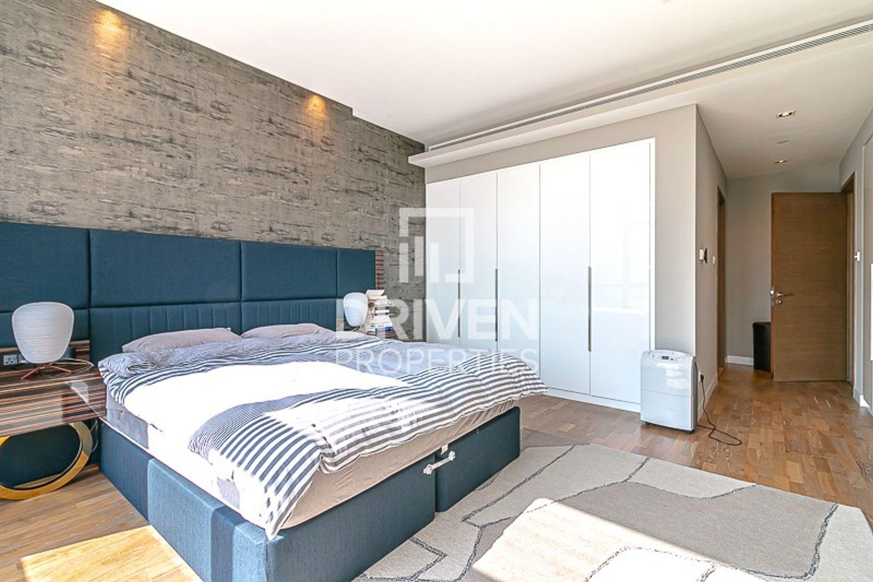 High Floor 2 Bed Apt | Open Skyline View